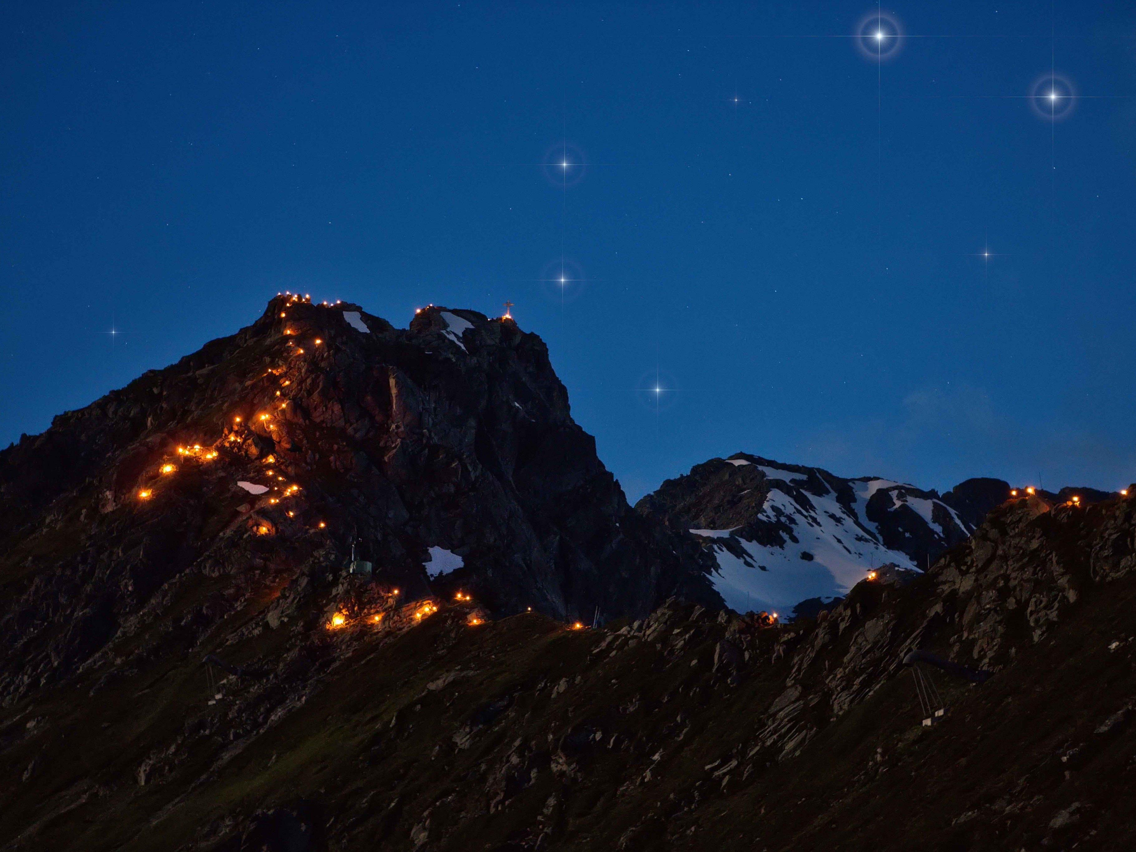 Wildromantisches Montafon, wenn die Gipfel in Flammen stehen.
