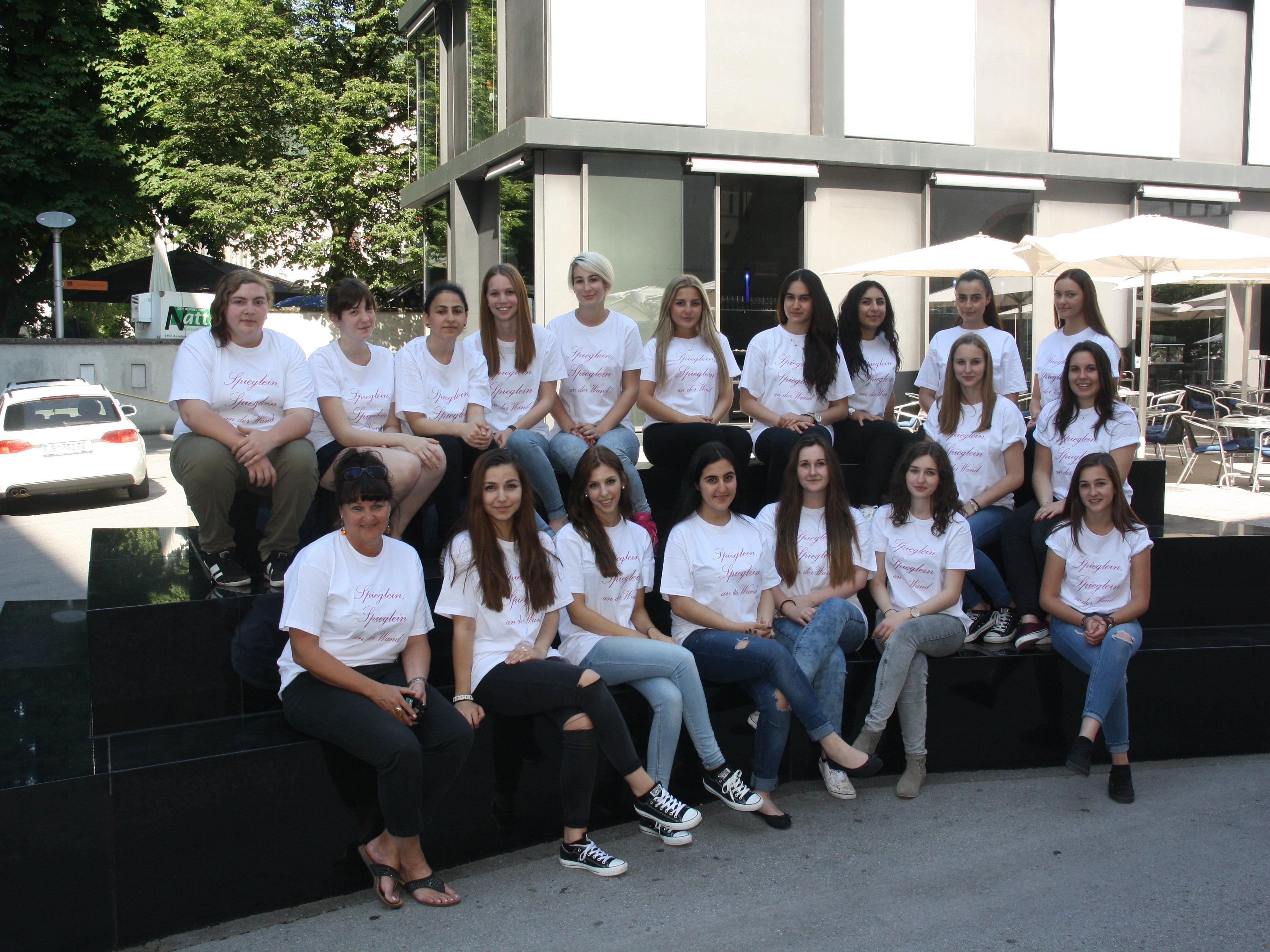 Die Kulturmanagementgruppe der 3. Klasser der HAK Bregenz