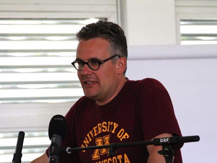 Dr. Thomas Schmidinger von der Universität Wien referierte zum Thema Jihadismus, Radikalisierung und Deradikalisierung.