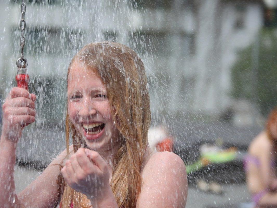 In den Monaten Juni, Juli und August ist das Schwimmbad Felsenau garantiert von 9  bis 12  Uhr und das Erlebnis Waldbad von 16 bis 19 Uhr geöffnet.