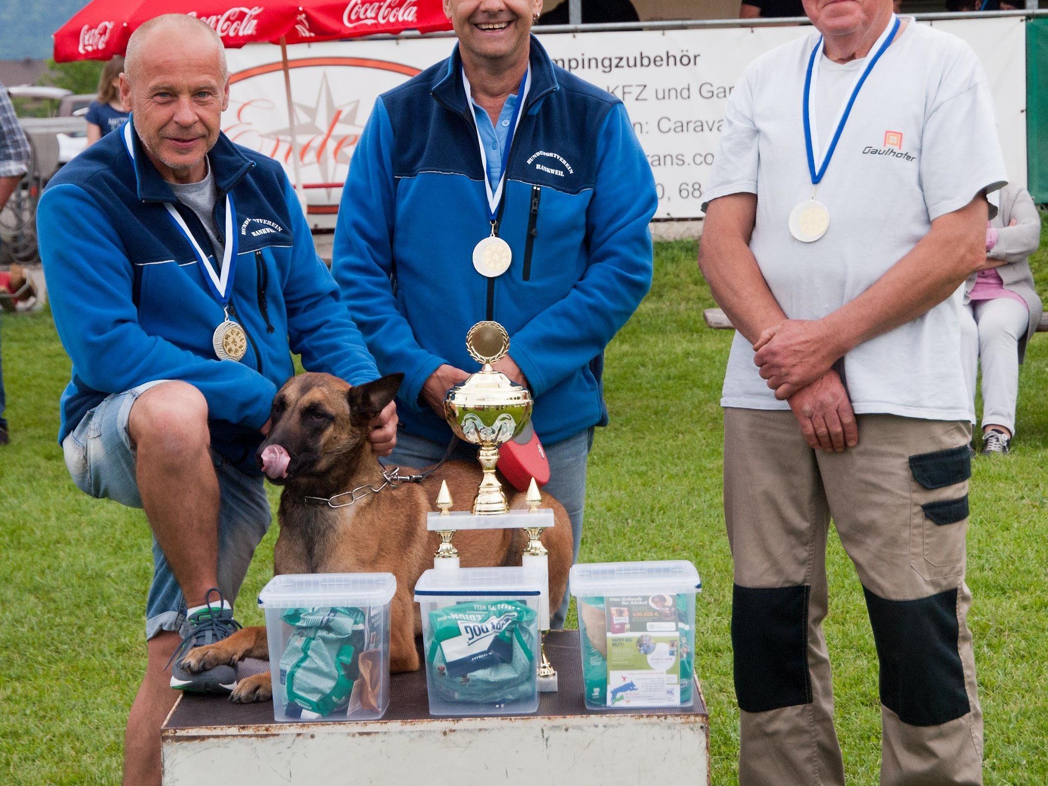 IPO (Internat.Prüfungsordnung)Schutzhundesportler:Rang 2- Klaus Cajcmann,Harald Spanner,Heinz Jerg