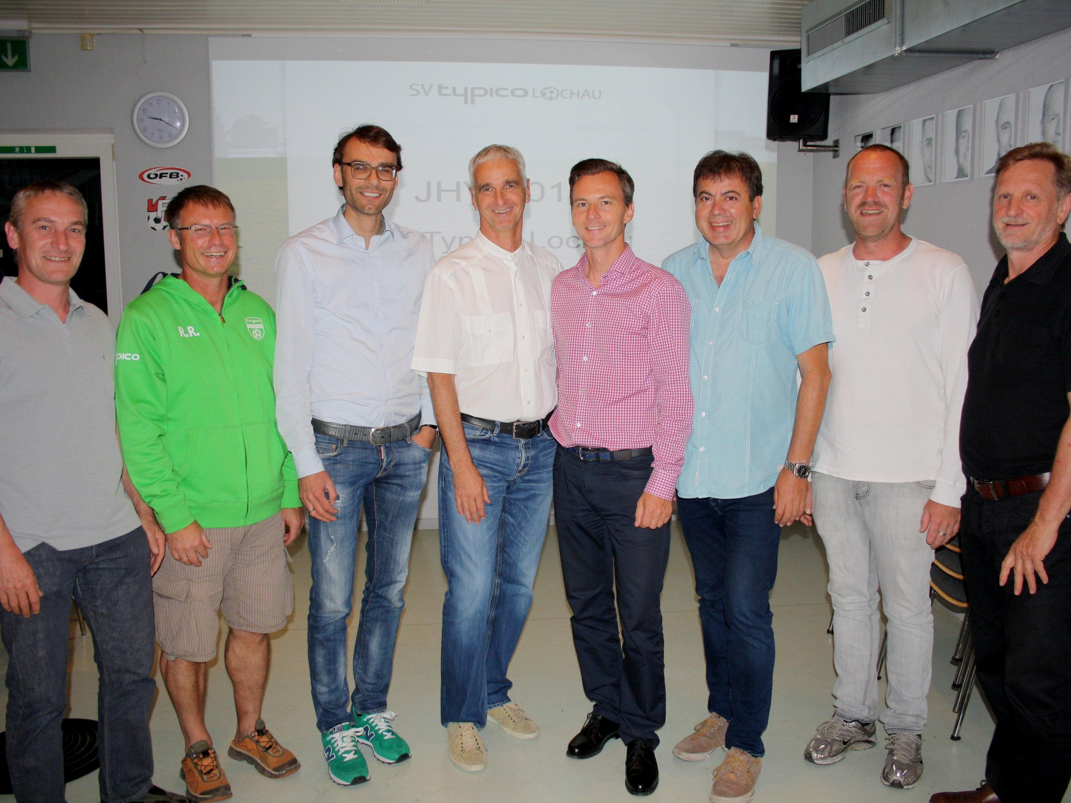Ein erfolgreiches Team führt den SV Typico Lochau: Christof Grones, Ralf Renoth, Christof Kogler, Markus Graz, Obmann Alexander Schiller, Egon Haag, Robert Schwarz und Franz Müller. Es fehlt Thomas Kollnig.