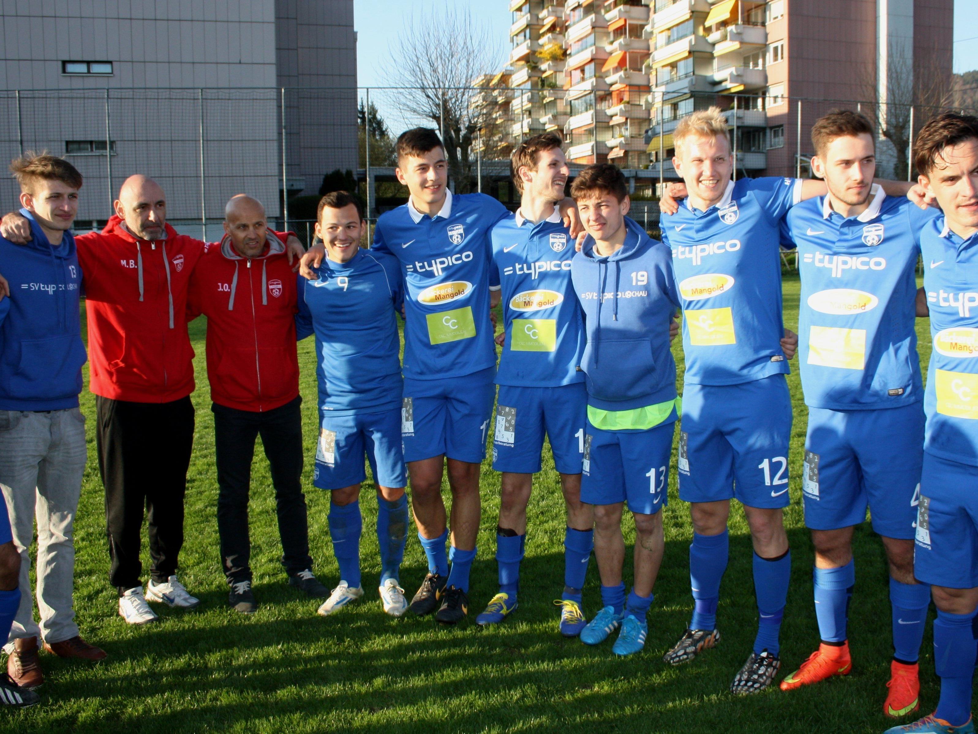 Bestens motiviert kämpft das Team um das Trainerduo Jan Ove Pedersen und Marco Bologna am Samstag im letzten Meisterschaftsspiel um den Aufstieg in die Vorarlbergliga.