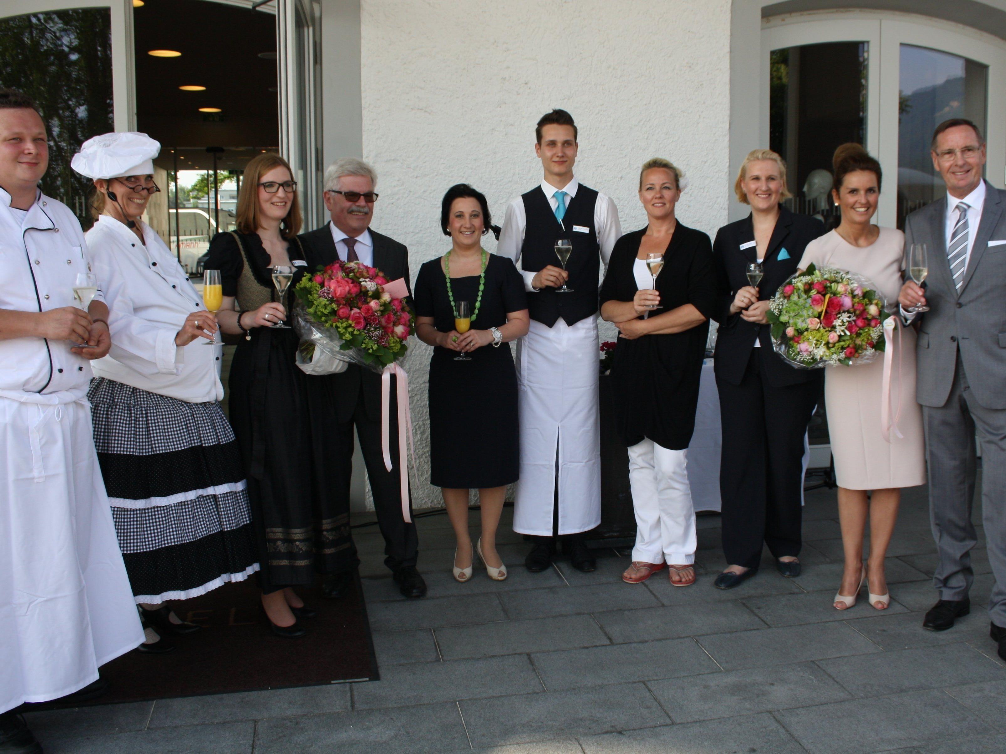 """Mit zahlreichen Gästen aus Politik und Wirtschaft, mit Geschäftspartnern und Kunden feierte das Team des """"SENTIDO Seehotel am Kaiserstrand"""" das fünfjährige Jubiläum."""
