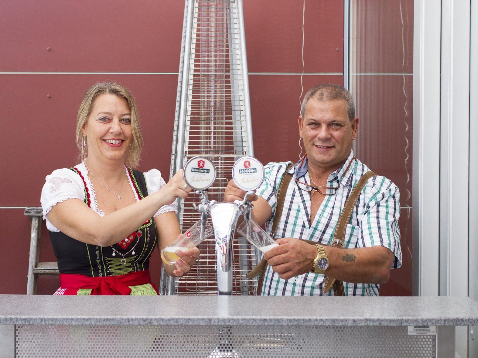 Das Wirteehepaar Eva-Maria Vonier und Hubert Schoder