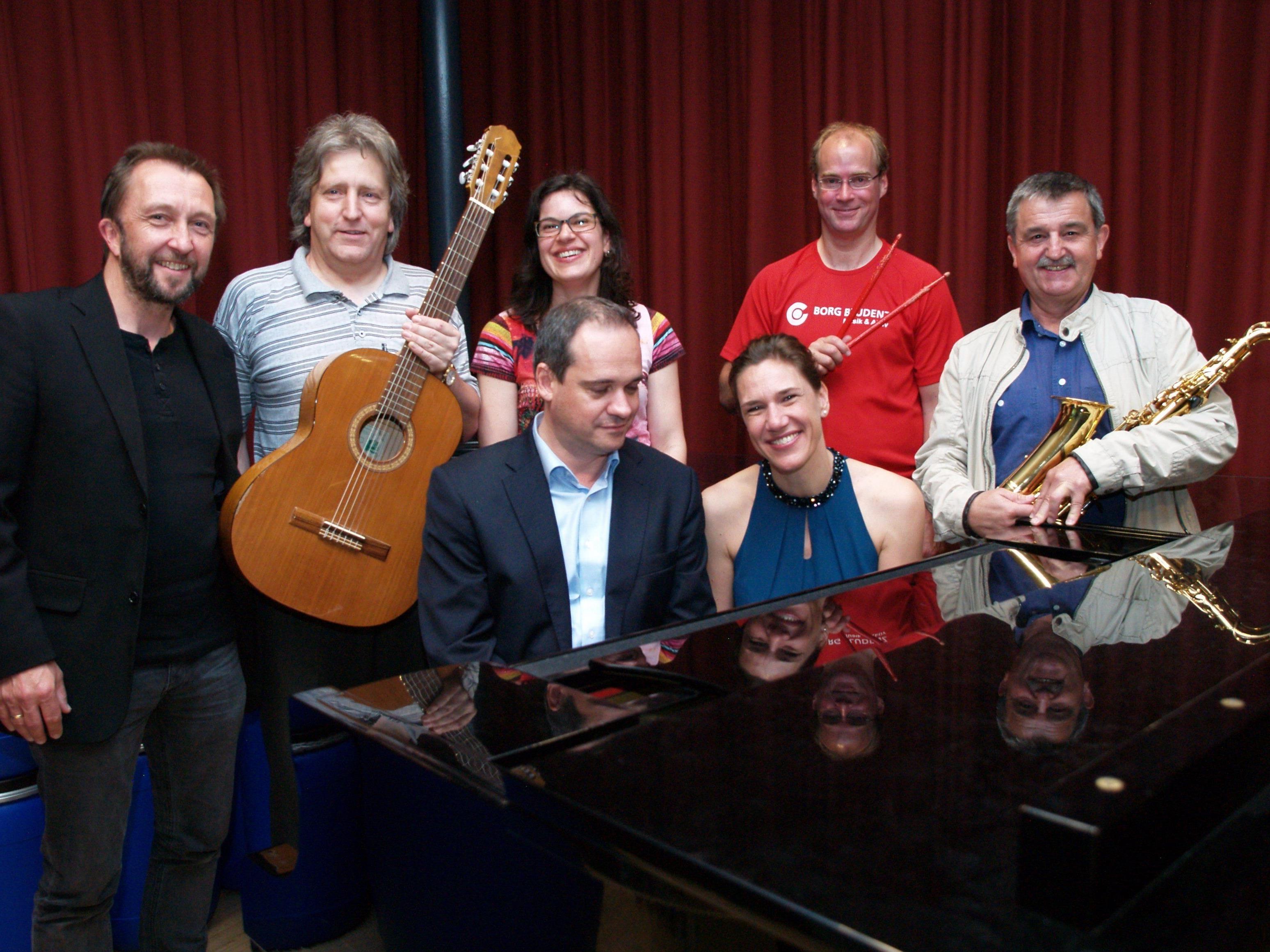 Die Musikprofessoren des BORG Musik & Aktiv studierten mit den Jugendlichen ein anspruchsvolles Programm ein.