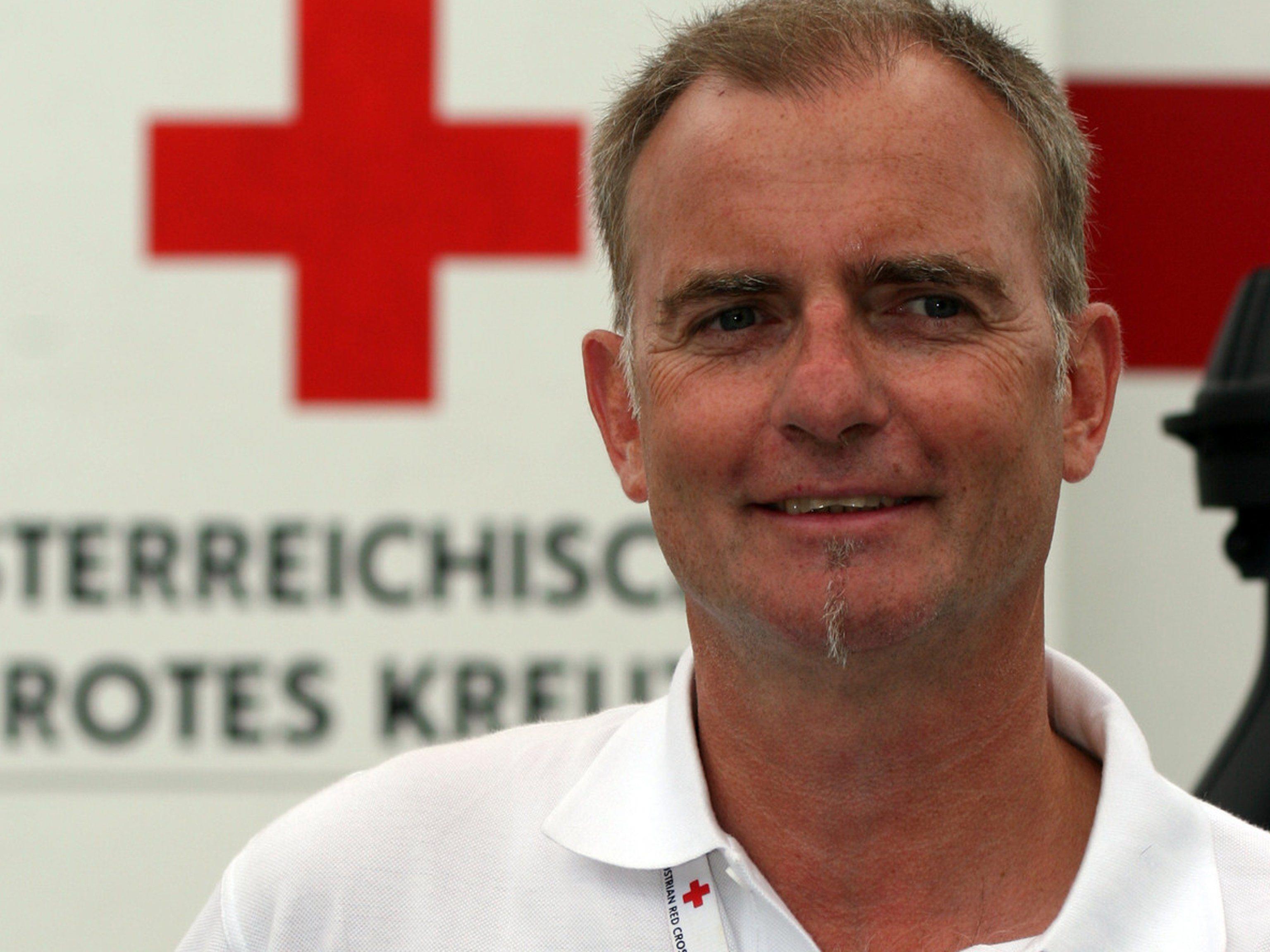 Für vier Wochen reist Werner Meisinger nach Nepal, um die Infrastruktur in den Bereichen Wasser- und Sanitätsversorgung zu koordinieren.