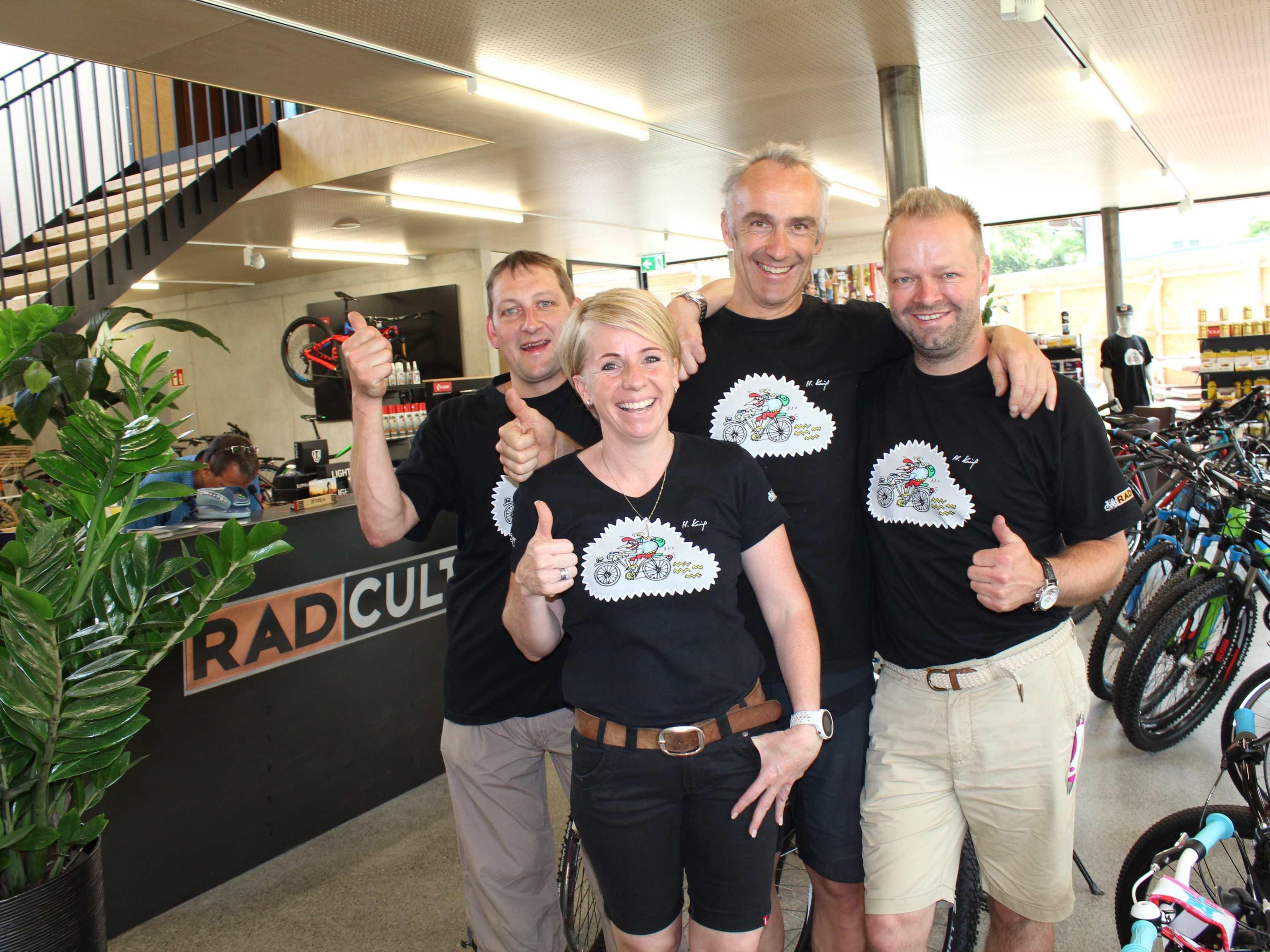 Das Team von Rad Cult freut sich über die Neueröffnung.