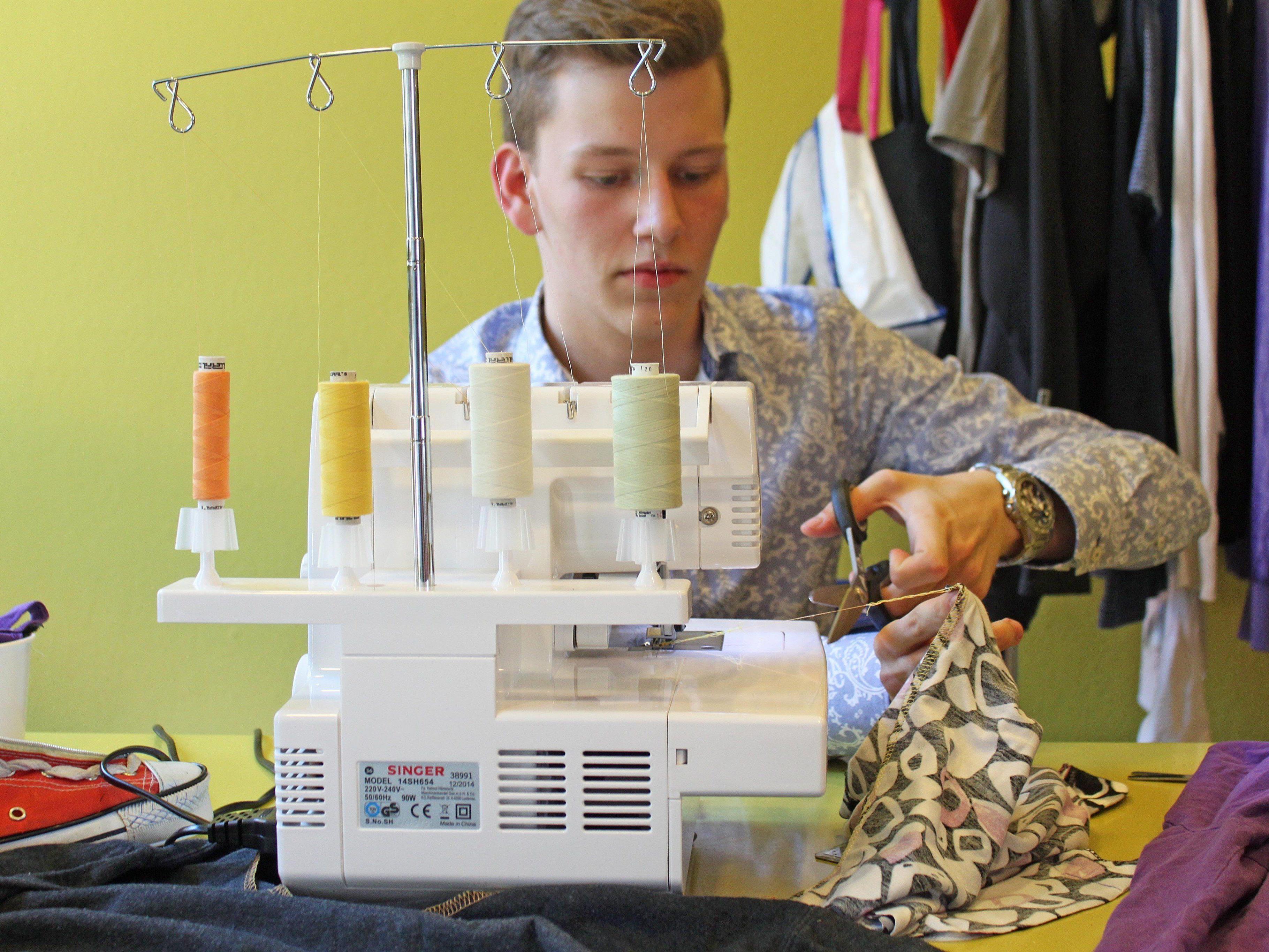 Einfall statt Abfall: Junge Experts zeigten, was aus alten Kleidern und Computern alles herauszuholen ist.