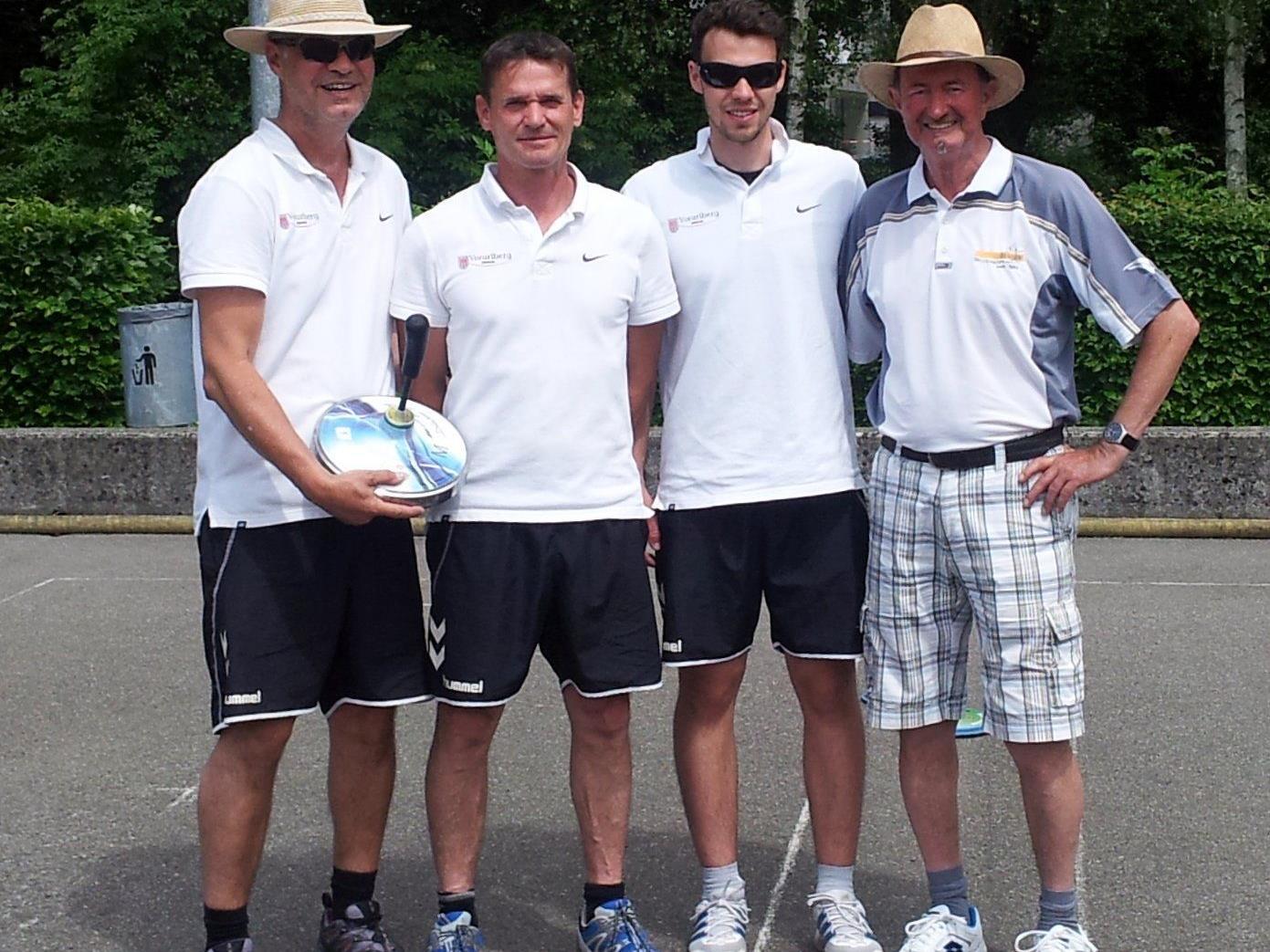 Die Silbermedaillen Gewinner im Ziel-Teambewerb 2015