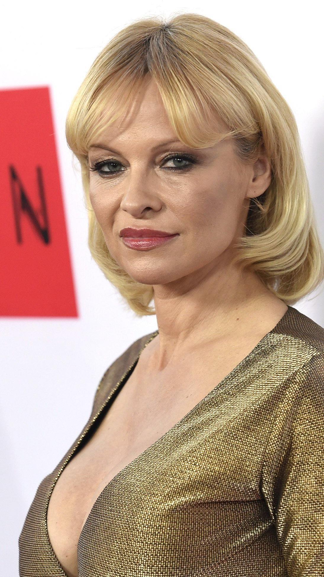 """Pamela Anderson bei der LA Premiere von """"The Gunman"""""""