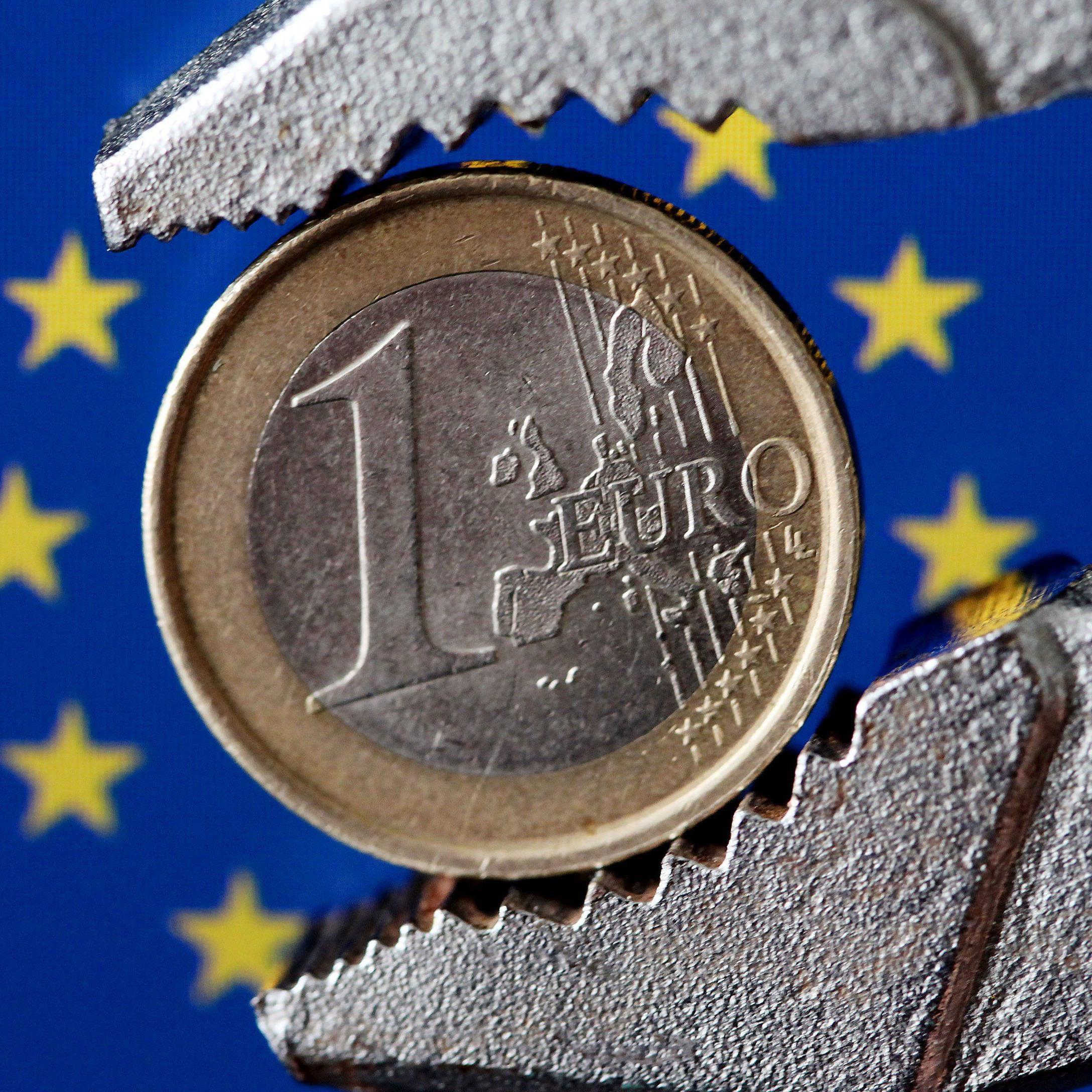 Mit der nahenden Gefahr eines Staatsbankrotts kehren immer mehr griechische Sparer den heimischen Banken ihren Rücken.