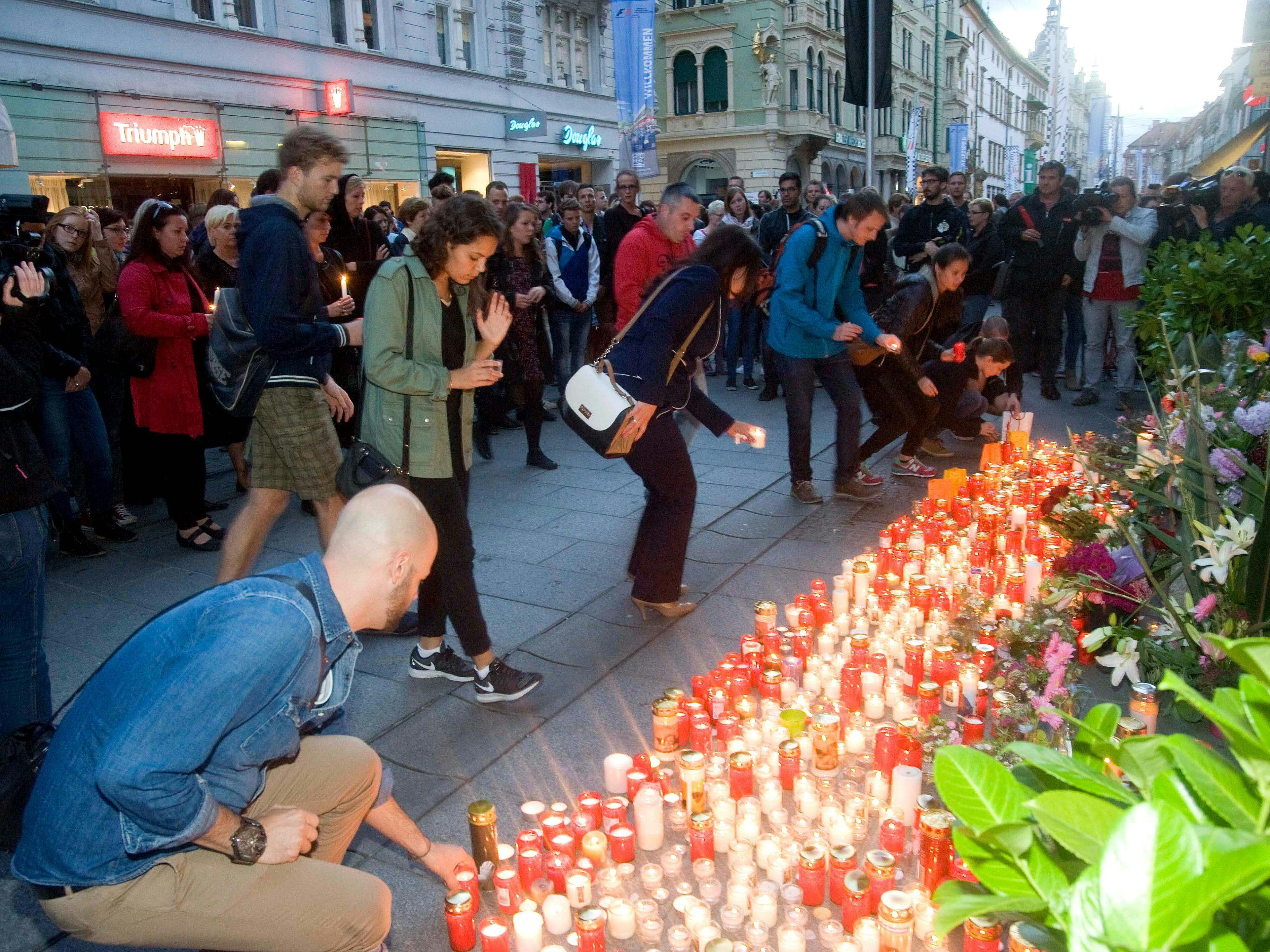 Tausende folgten dem Aufruf zu einem Kerzenmeer in der Grazer Innenstadt.