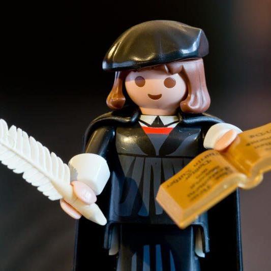 wischen der Firmengründung und dem Erfolg von Playmobil liegen fast 100 Jahre
