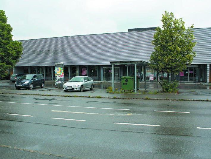 Das bestehende Gebäude soll Platz für einen neuen Sutterlüty-Markt machen. Einen Zeitplan gibt es aber noch nicht.