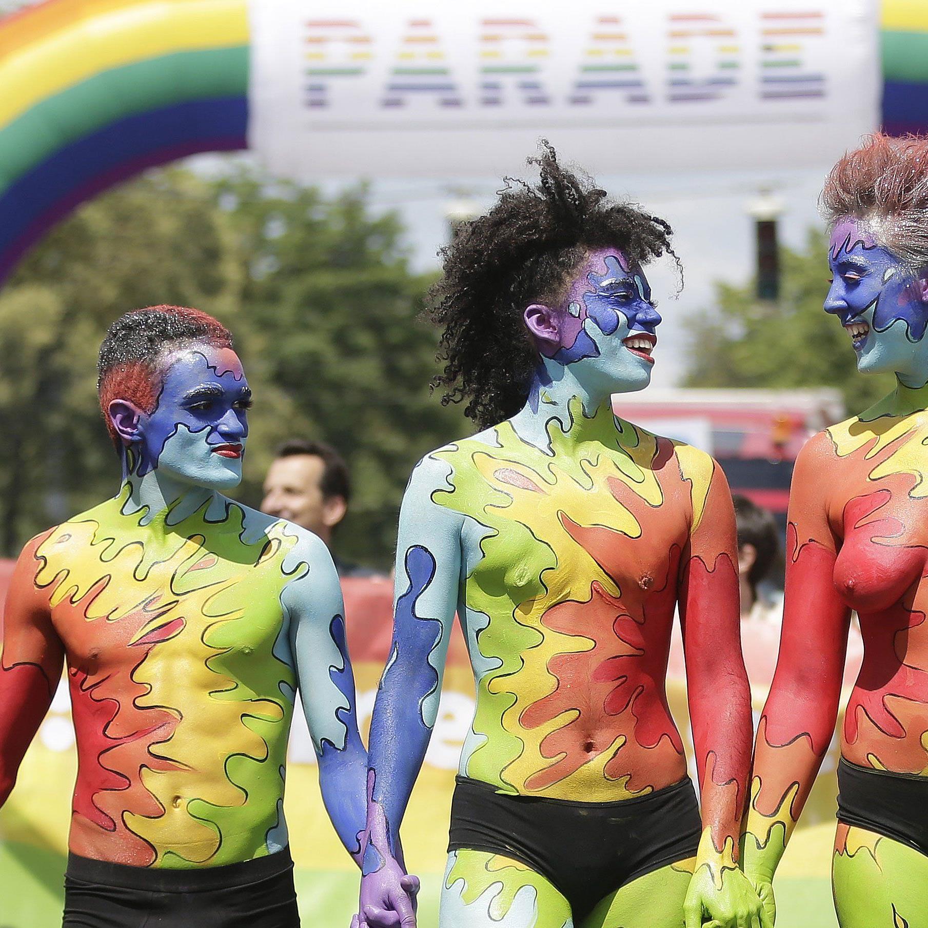 Bei der Regenbogenparade gibt es immer viel zu sehen.