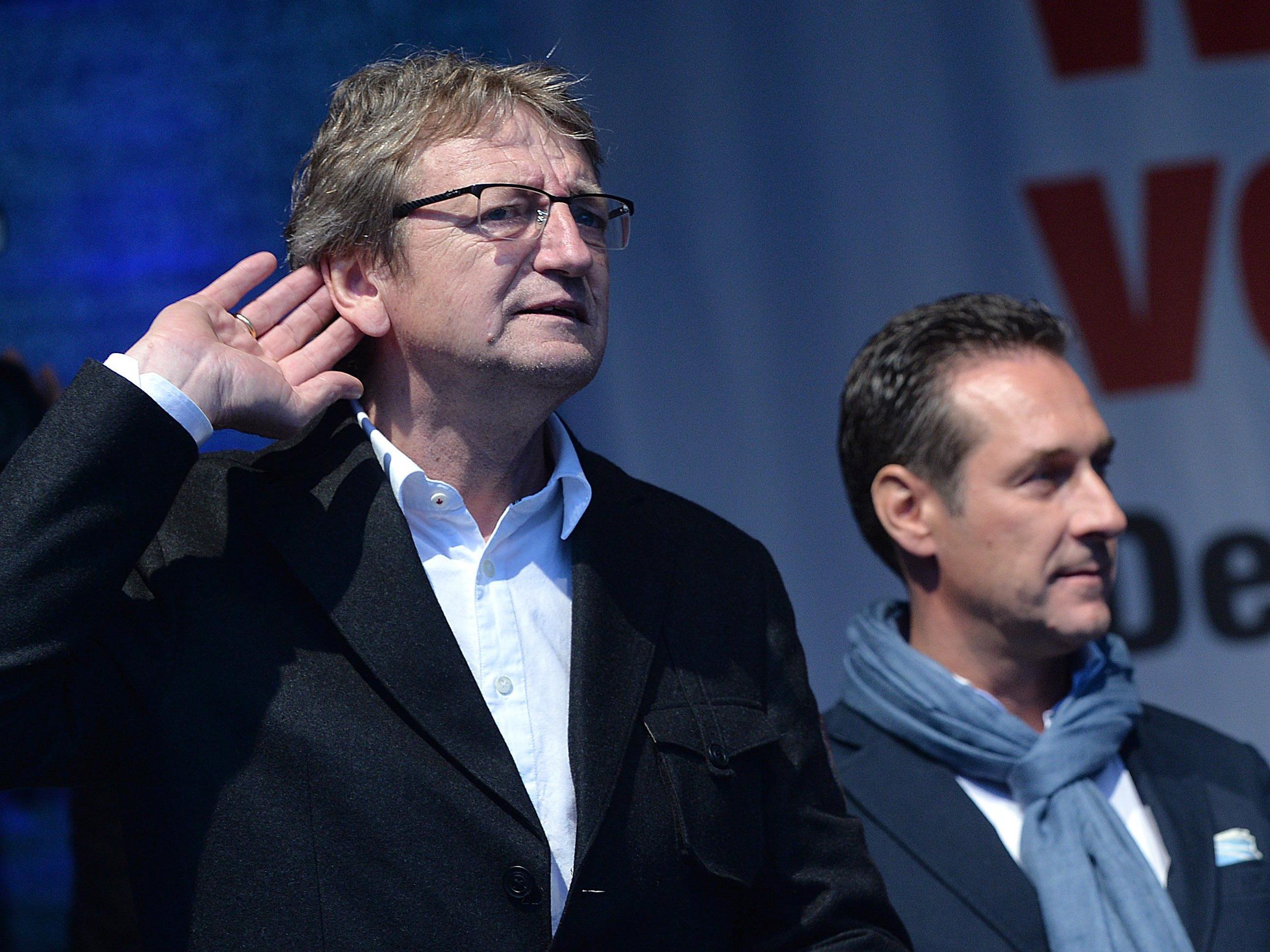 Schnell und Strache: Ein Bild vom Wahlkampf 2013, das auch heute wieder passt.