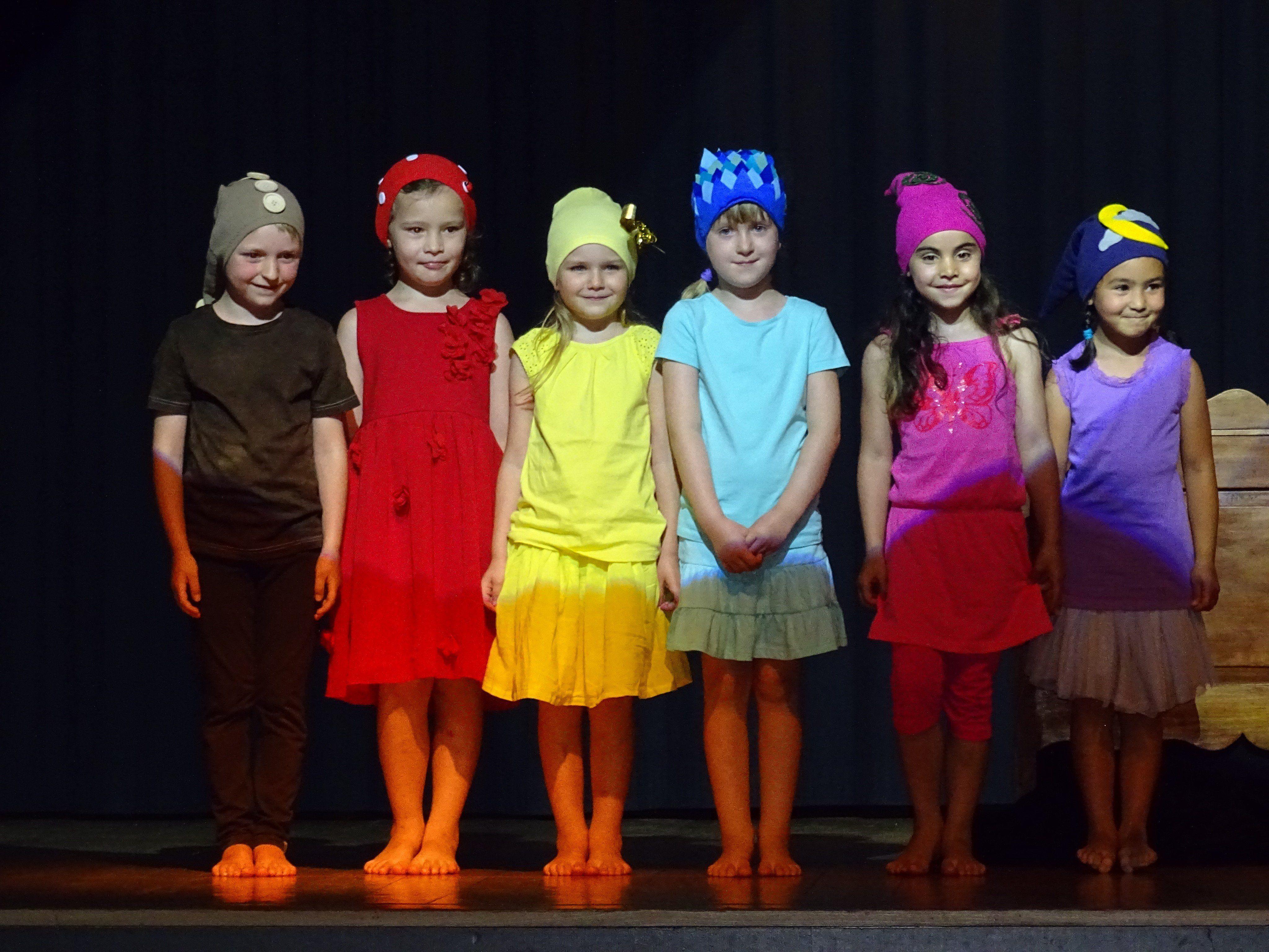 """Der Kindergarten Igel zeigte das Musical """"Ein Tag im Leben der Familie Wurz""""."""