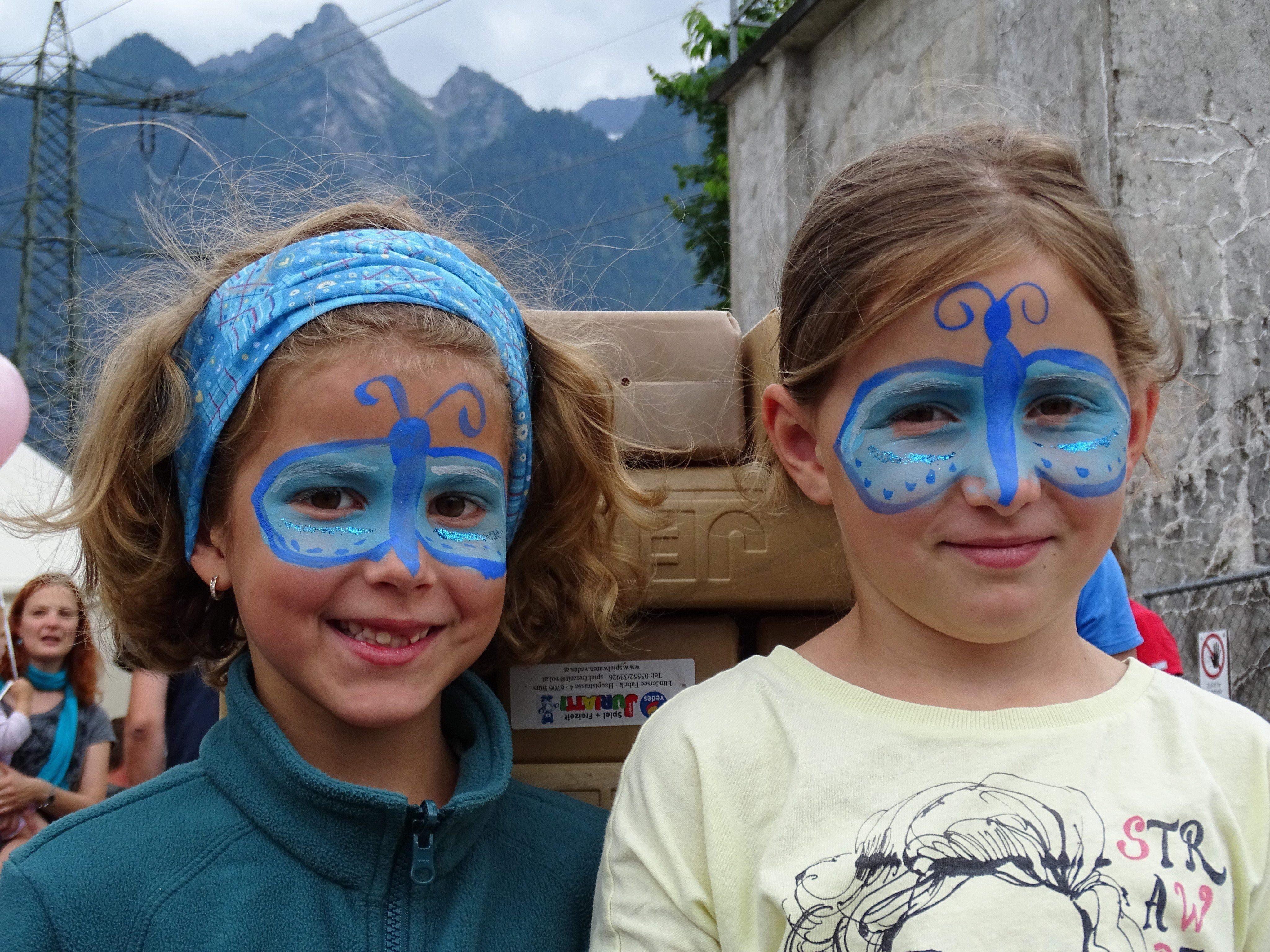 Kinderschminken war nur eine der zahlreichen Aktivitäten beim Sommerfest.