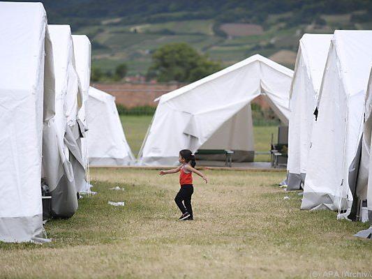 Zelte in der Erstaufnahmestelle Traiskirchen