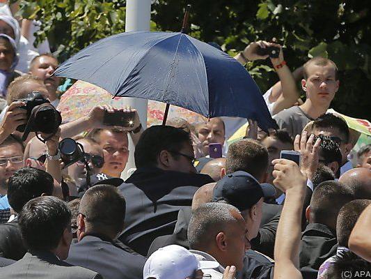 Serbiens Ministerpräsident von Gedenkfeier vertrieben