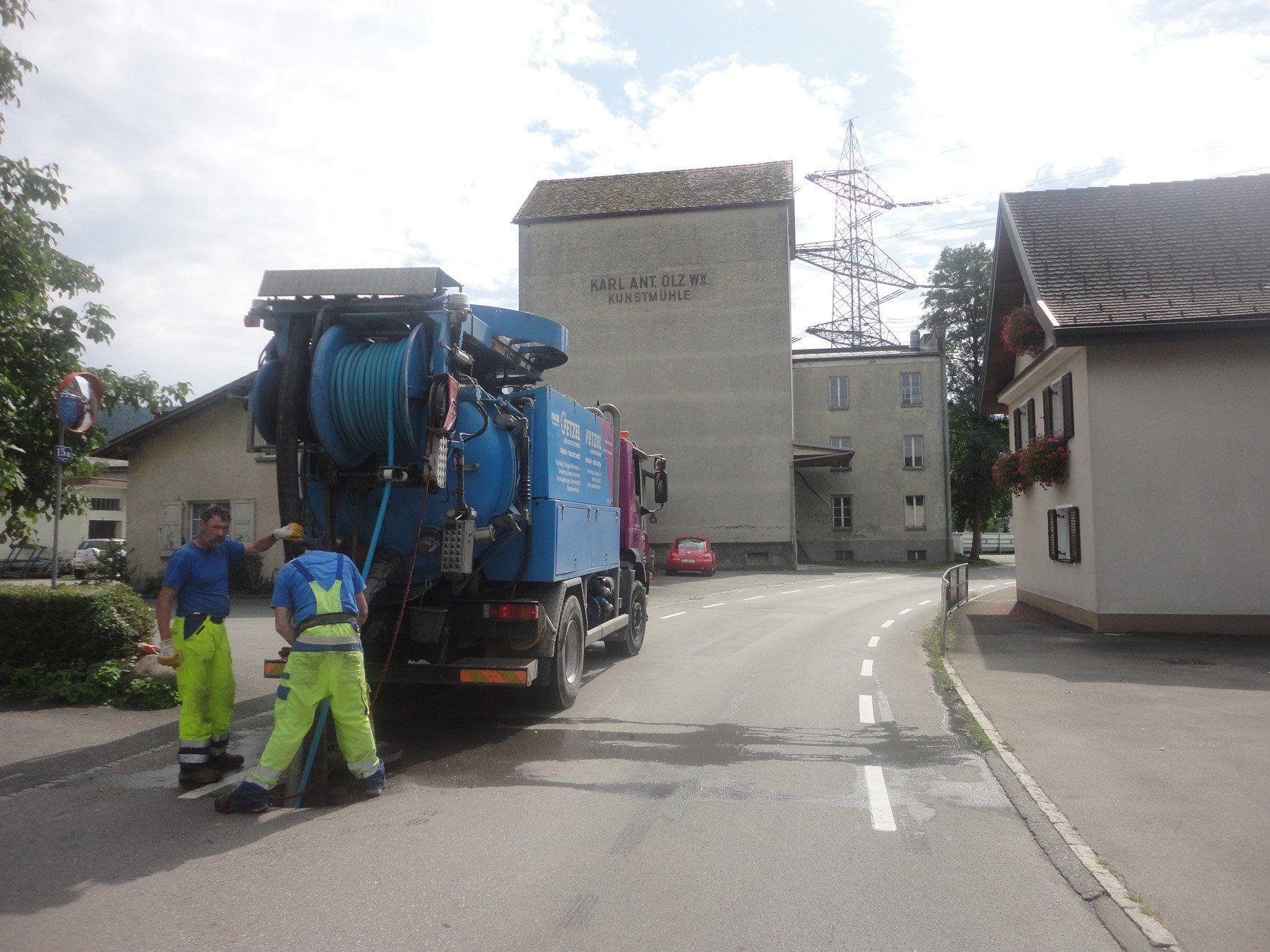 In Rankweil werden die Kanalleitungen zwischen der Merowingerstraße und der Autobahn A14 sowie entlang der Schweizerstraße überprüft.