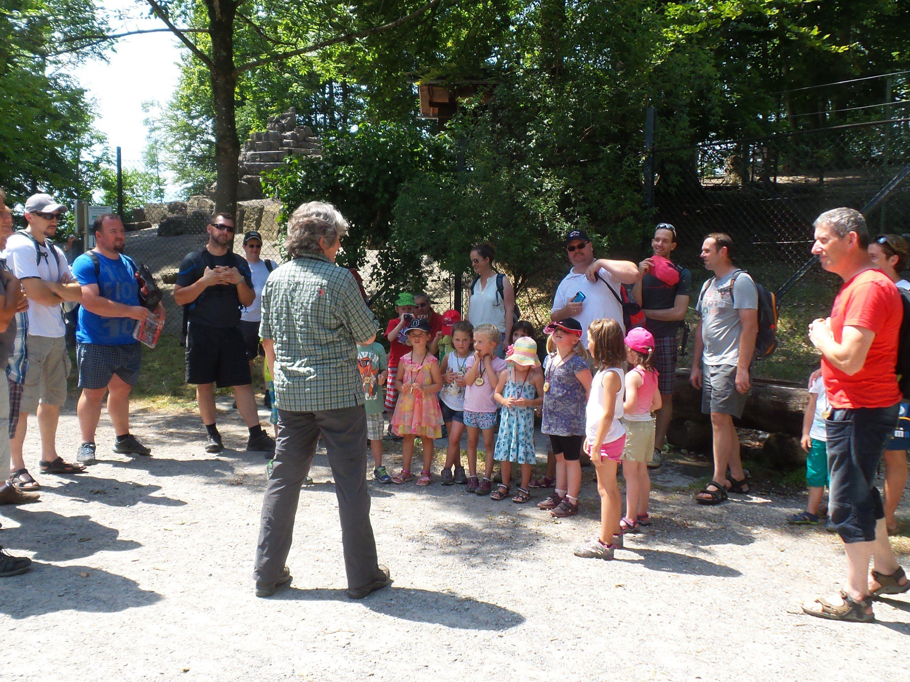 Die Kinder der Hennagruppa und Väter freuten sich sehr über den Ausflug in den Wildpark Feldkirch.