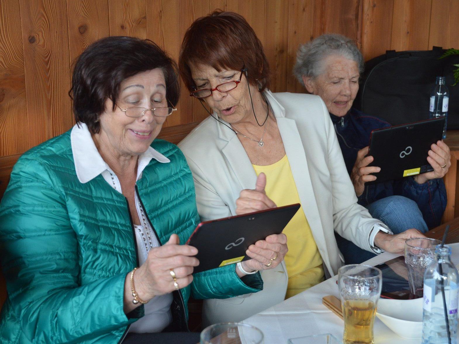 Großes Interesse beim Tablet-PC-Kurs