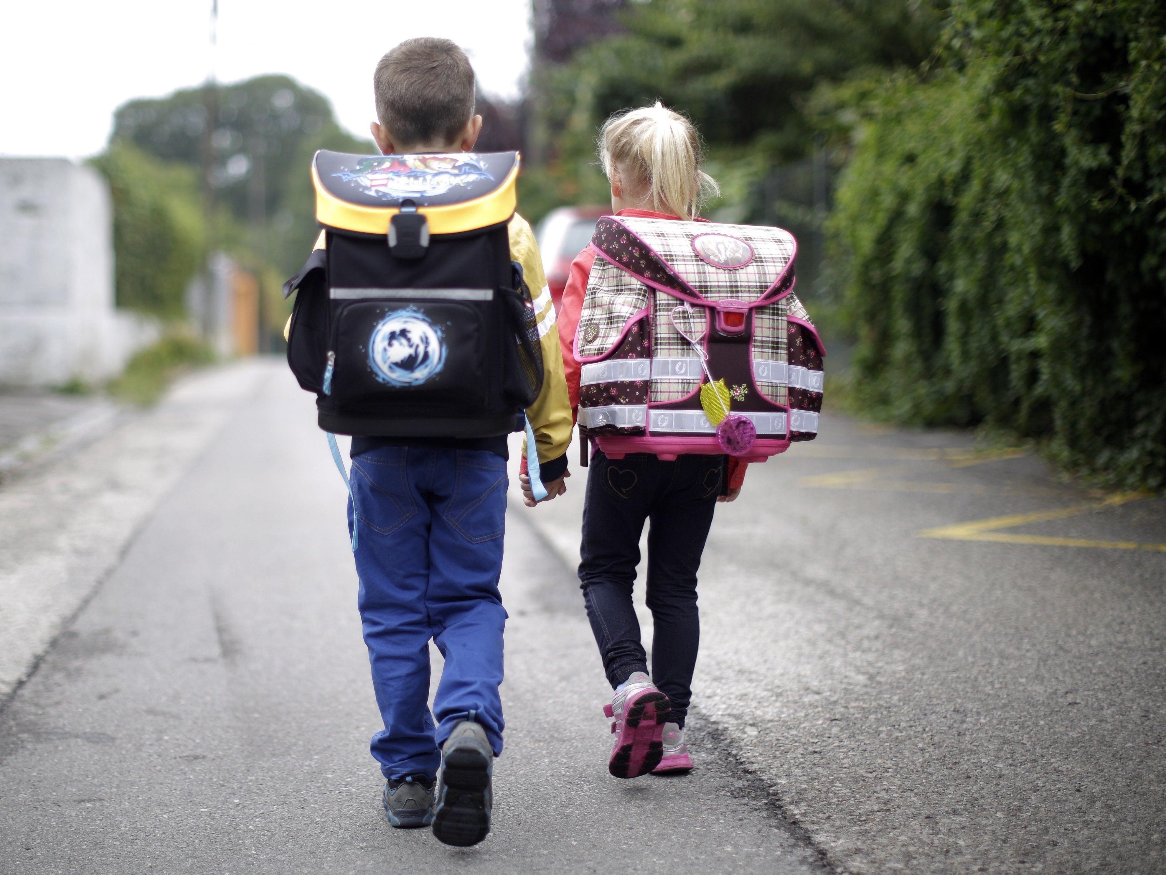 Soll die Schulverwaltung von den Ländern übernommen werden?