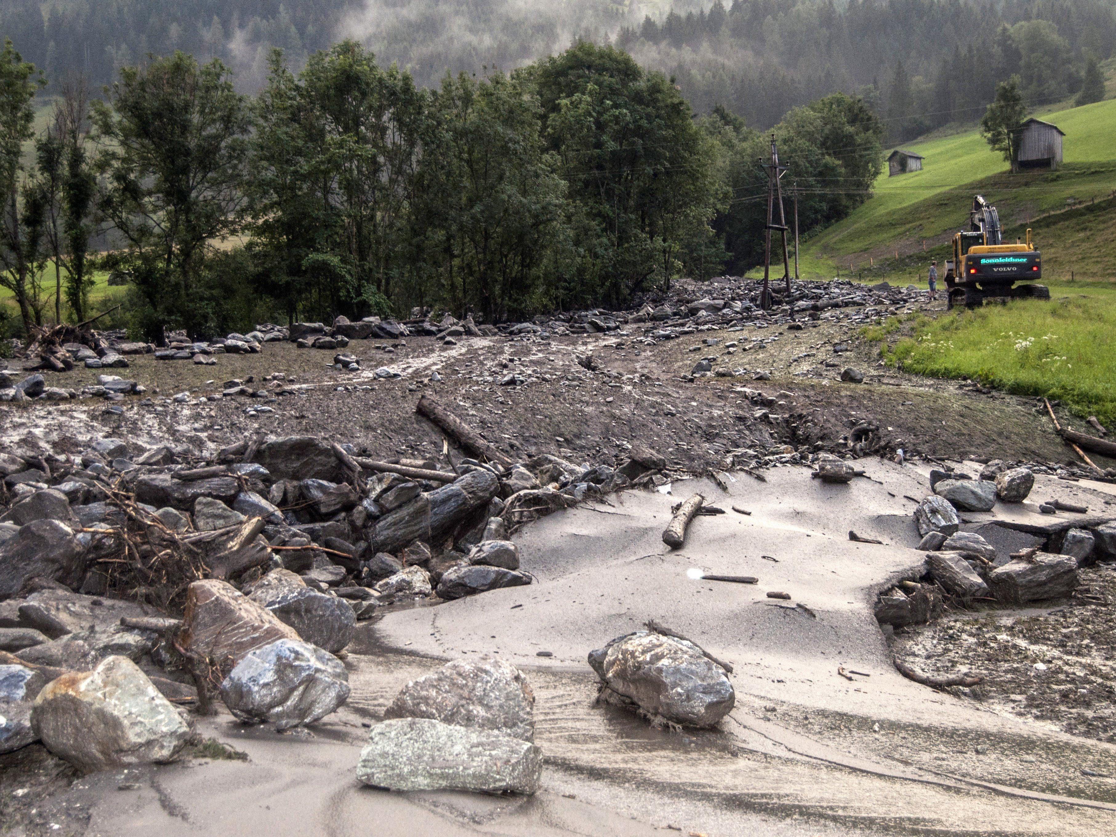 5.000 Menschen nach Murenabgang in Salzburg abgeschnitten.
