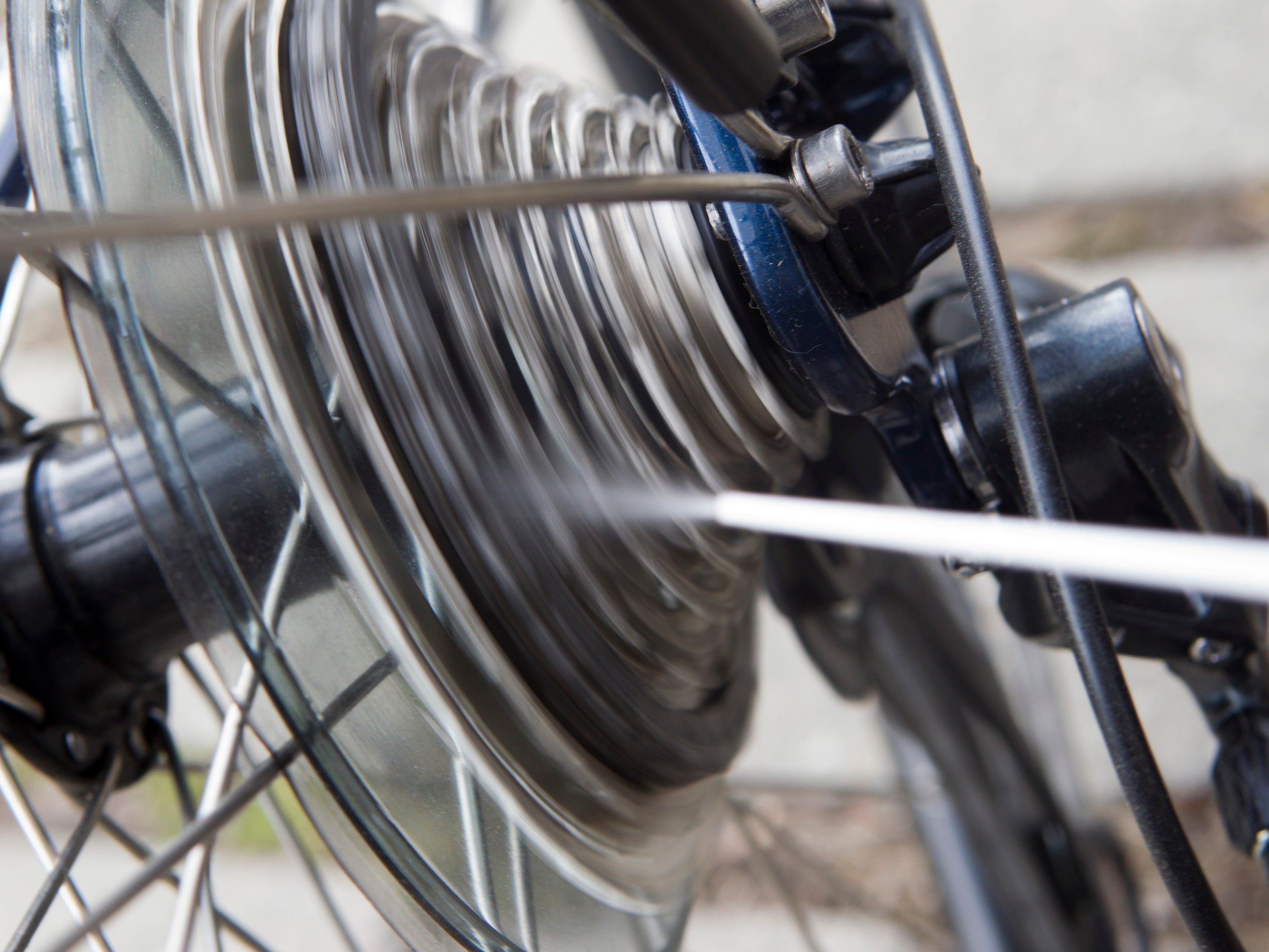 Pkw soll dem Radfahrer den Weg abgeschnitten haben.