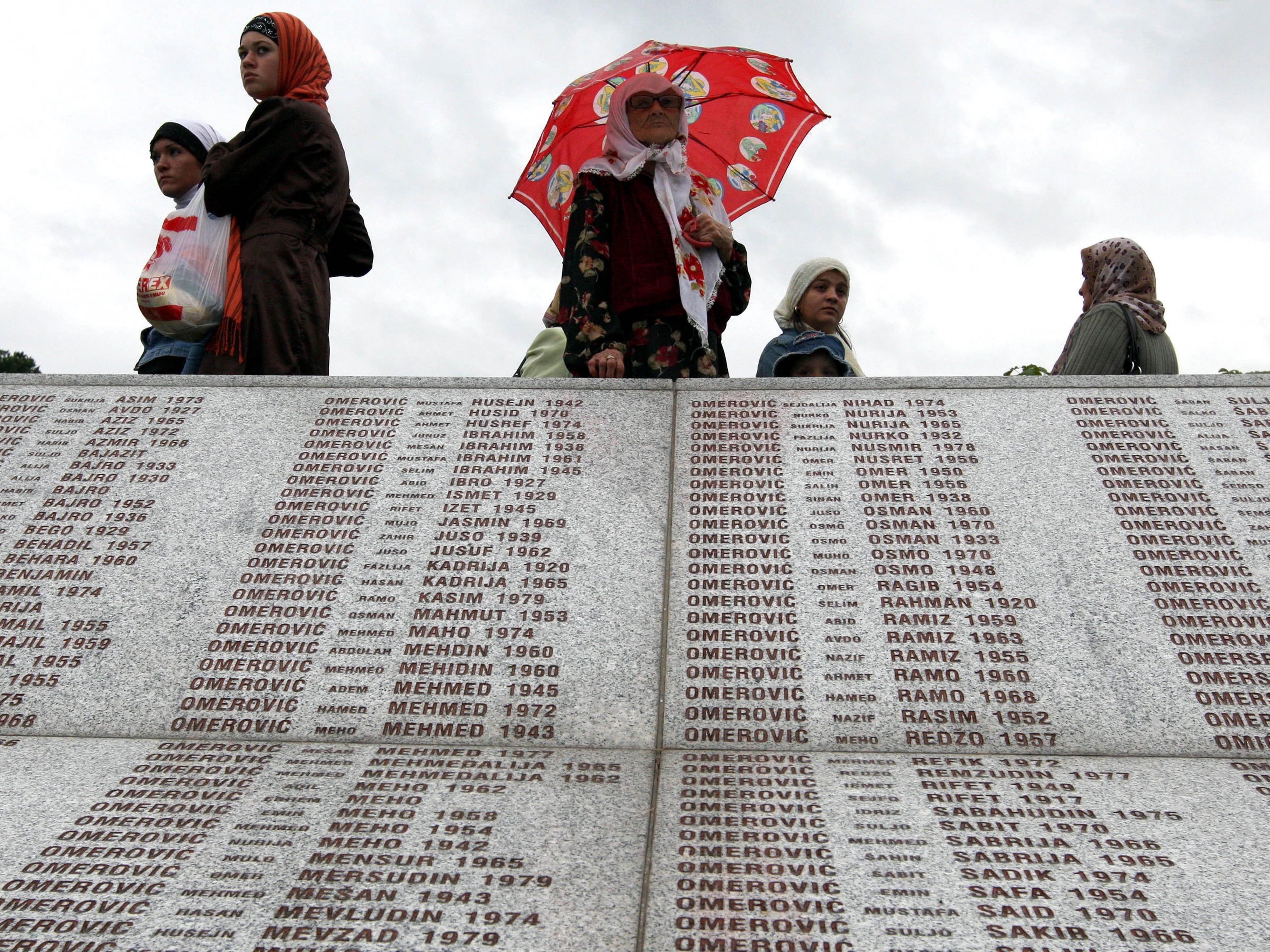 Abstimmung kurz vor 20. Jahrestag des Kriegsverbrechens angesetzt.