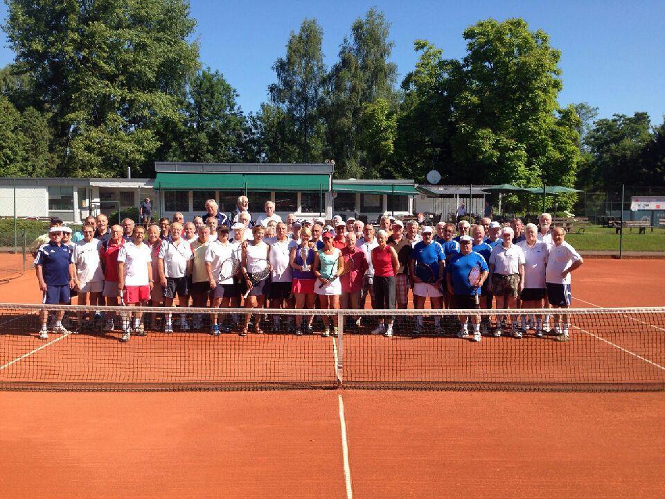 Teilnehmer des letzten Spieltages der Internationalen Senioren-Doppel-Meisterschaft in Lindau