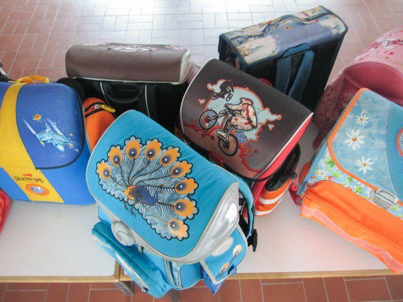 Die Volksschule Vandans organisierte zum Schulschluss eine Sammelaktion für Schul- und Kindergartentaschen.
