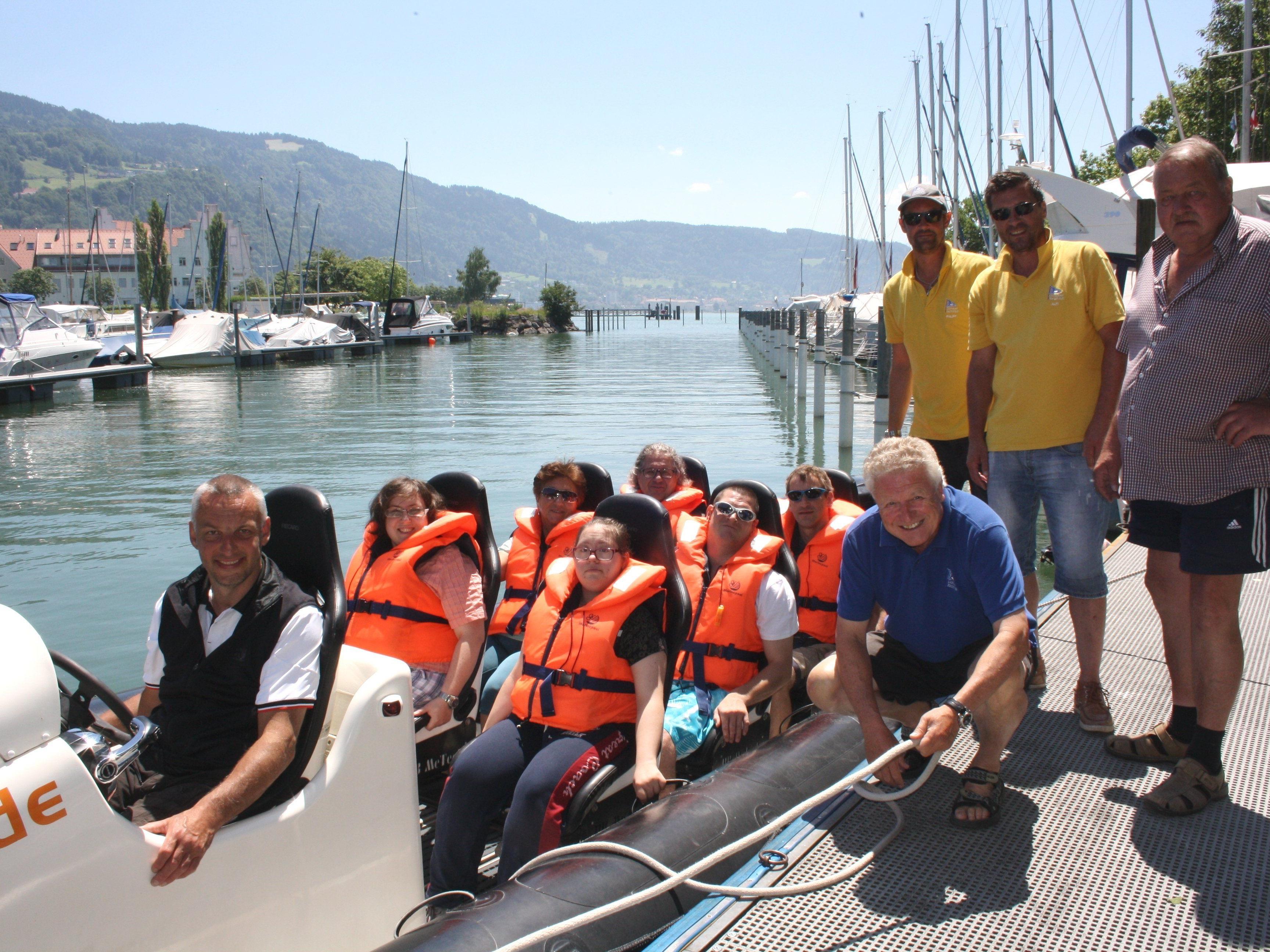 """Die rasante Fahrt auf dem Bodensee mit der """"Hoppetosse"""" und Kapitän Jörg Leonhardt wurde für alle Teilnehmer auch in diesem Jahr wieder zu einem unvergesslichen Erlebnis."""