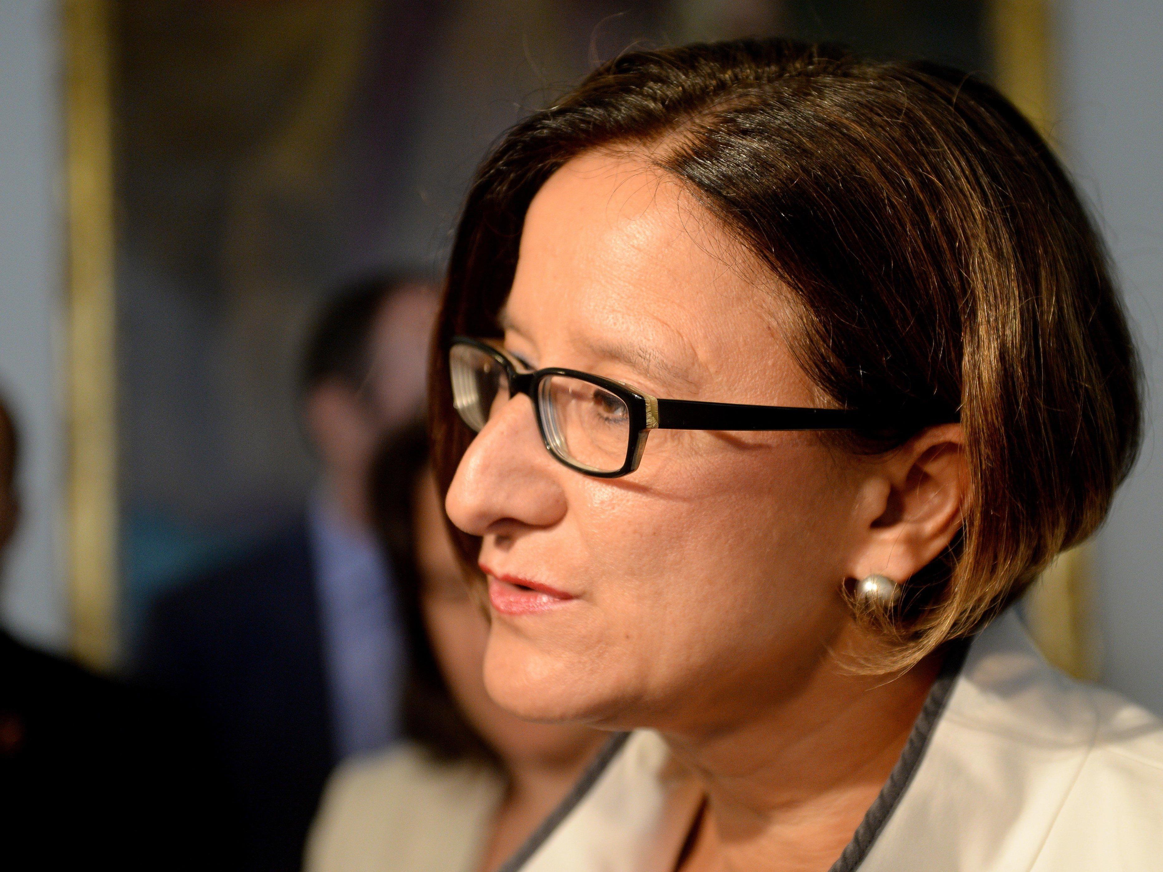 Innenministerin geht mit Nullquote in Debatte um Flüchtlingsverteilung in den Sonderrat.