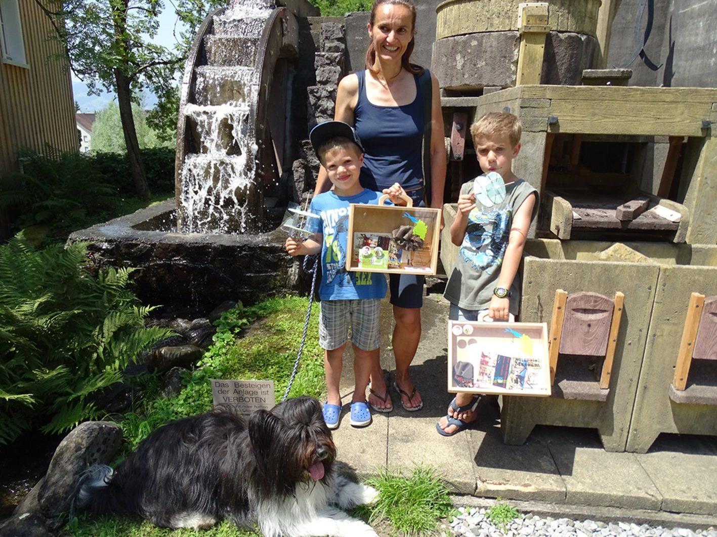 Jakob und Peter besuchten mit ihrer Mama das Mühlenmuseum Stoffels Säge-Mühle.