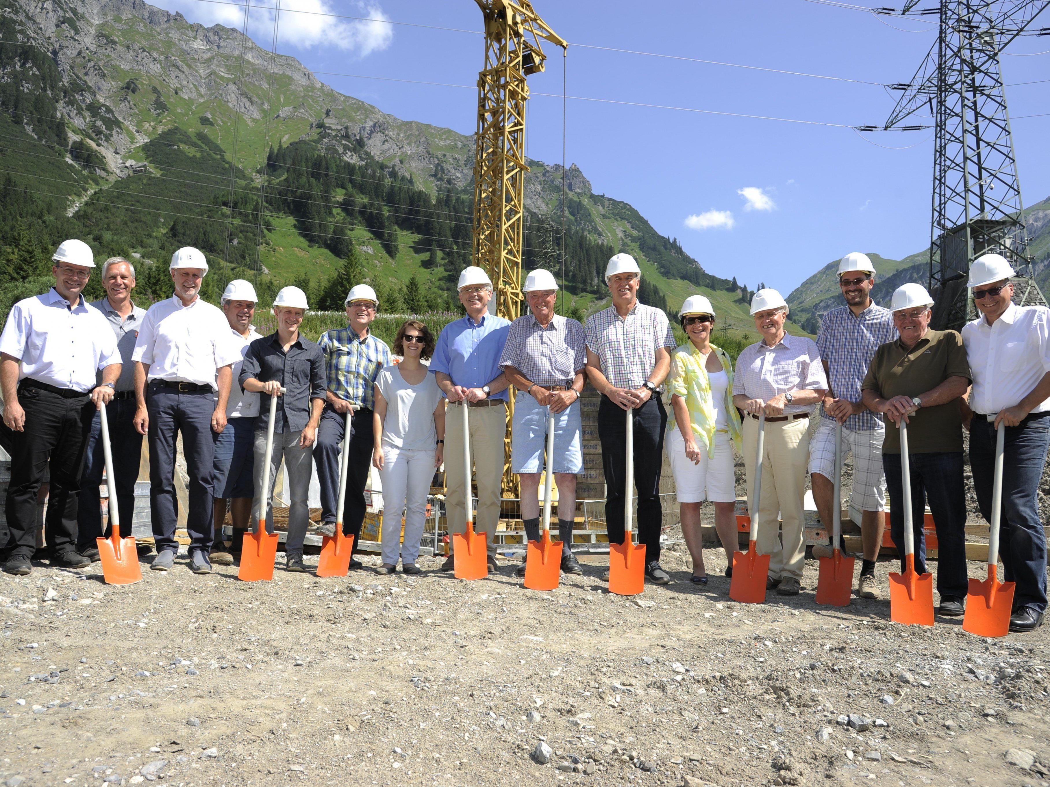 Spatenstich für Kleinwasserkraftwerk Stubenbach erfolgt.