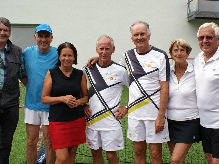 SC-Tennismannschaft mit Obmann