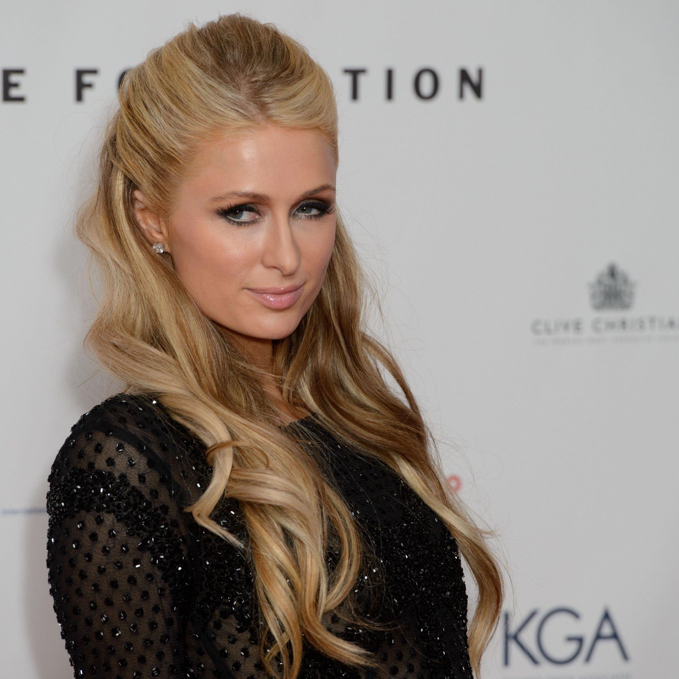 Paris Hilton will wegen dem Fake-Absturz klagen.