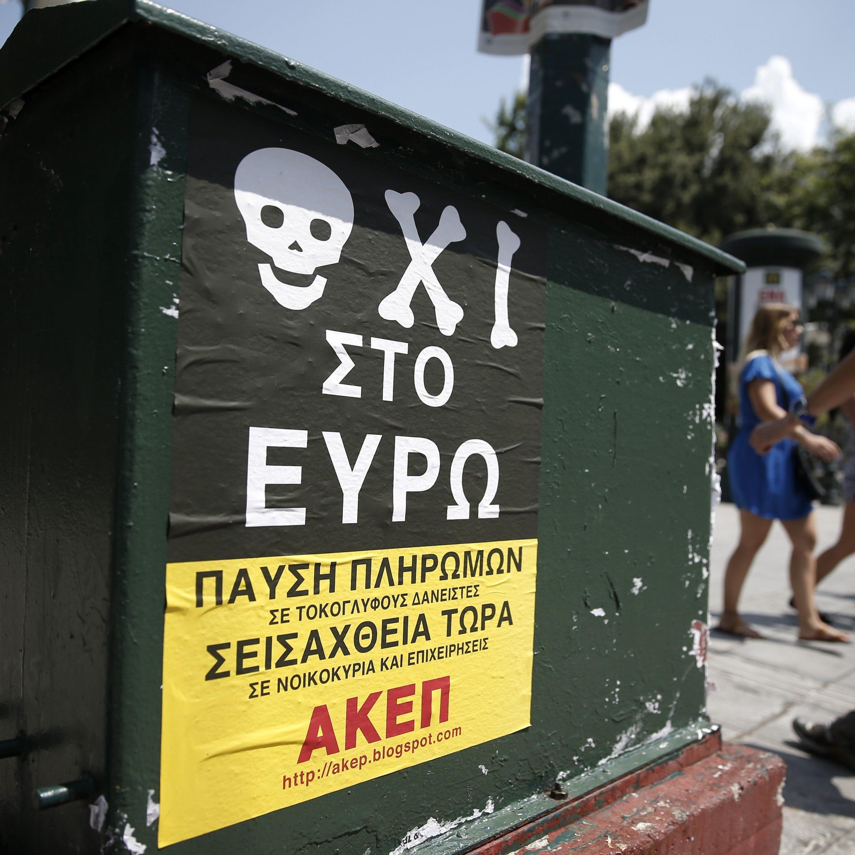 Herabgestuftes Griechenland hält an Referendum fest