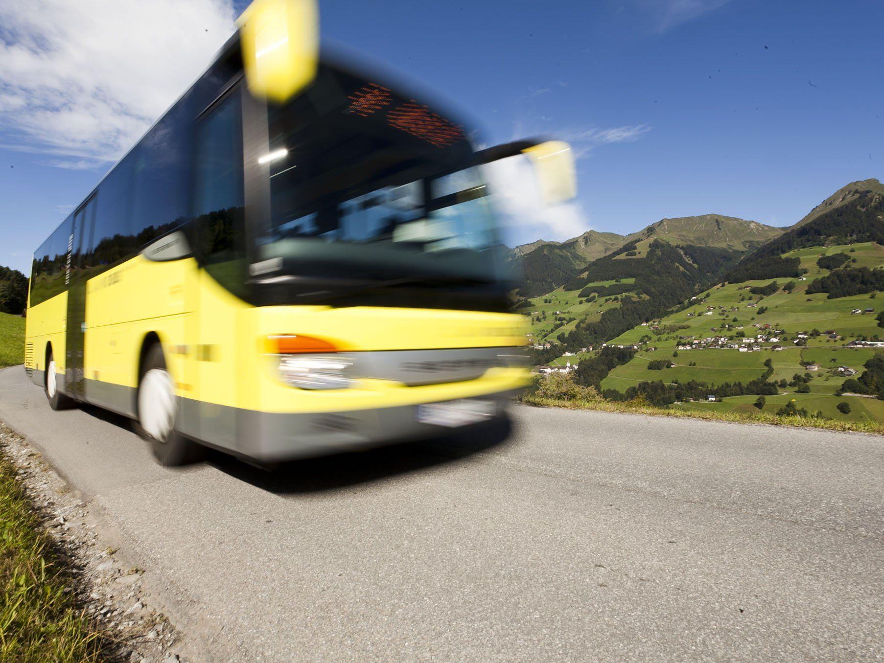 Eine flächendeckende Lkw-Maut würde die Buspreise in die Höhe treiben, warnt die WKV.