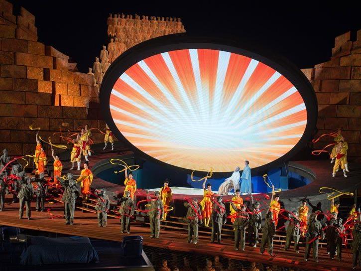"""""""Turandot"""": Farbenprächtiges Edel-Spektakel auf der Seebühne."""