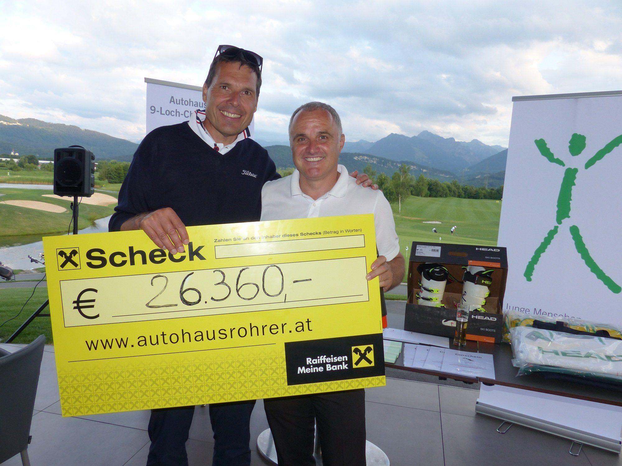 Über 26.000 Euro an Spende übergab Thomas Rotheneder an die Stiftung Jupident.