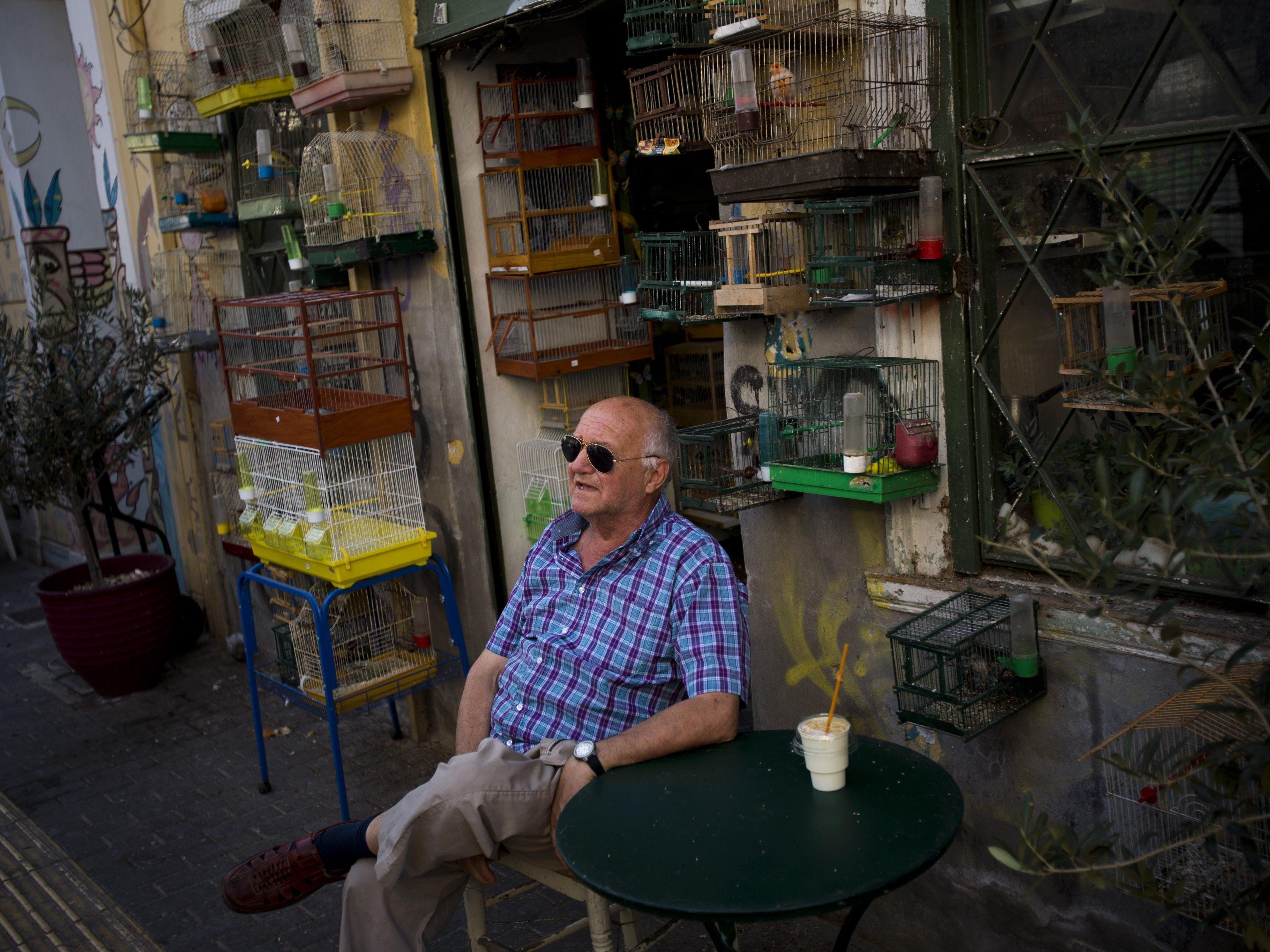 Während in Brüssel über Griechenlands Zukunft verhandelt wird, mehren sich die Kritiker im Netz.