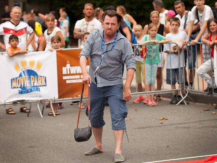 Andy Roland bei der Handtaschenb-Weitwurf WM