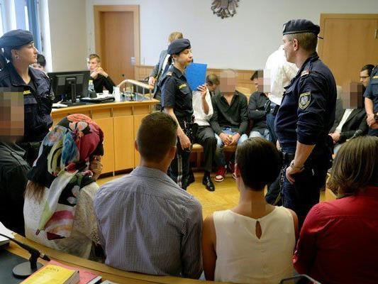 Zehn Mitglieder des Drogen-Clans standen in Wien vor Gericht.