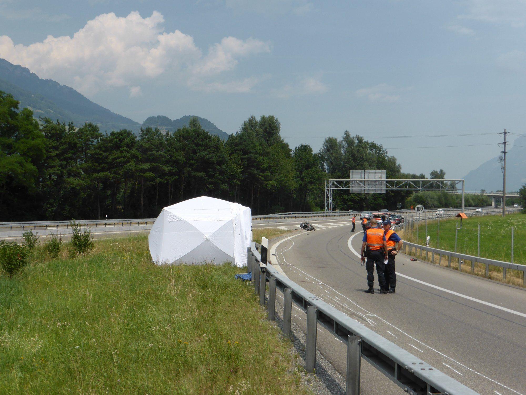 Für einen in der Schweiz verunglückten Vorarlberger Biker kam jede Hilfe zu spät.