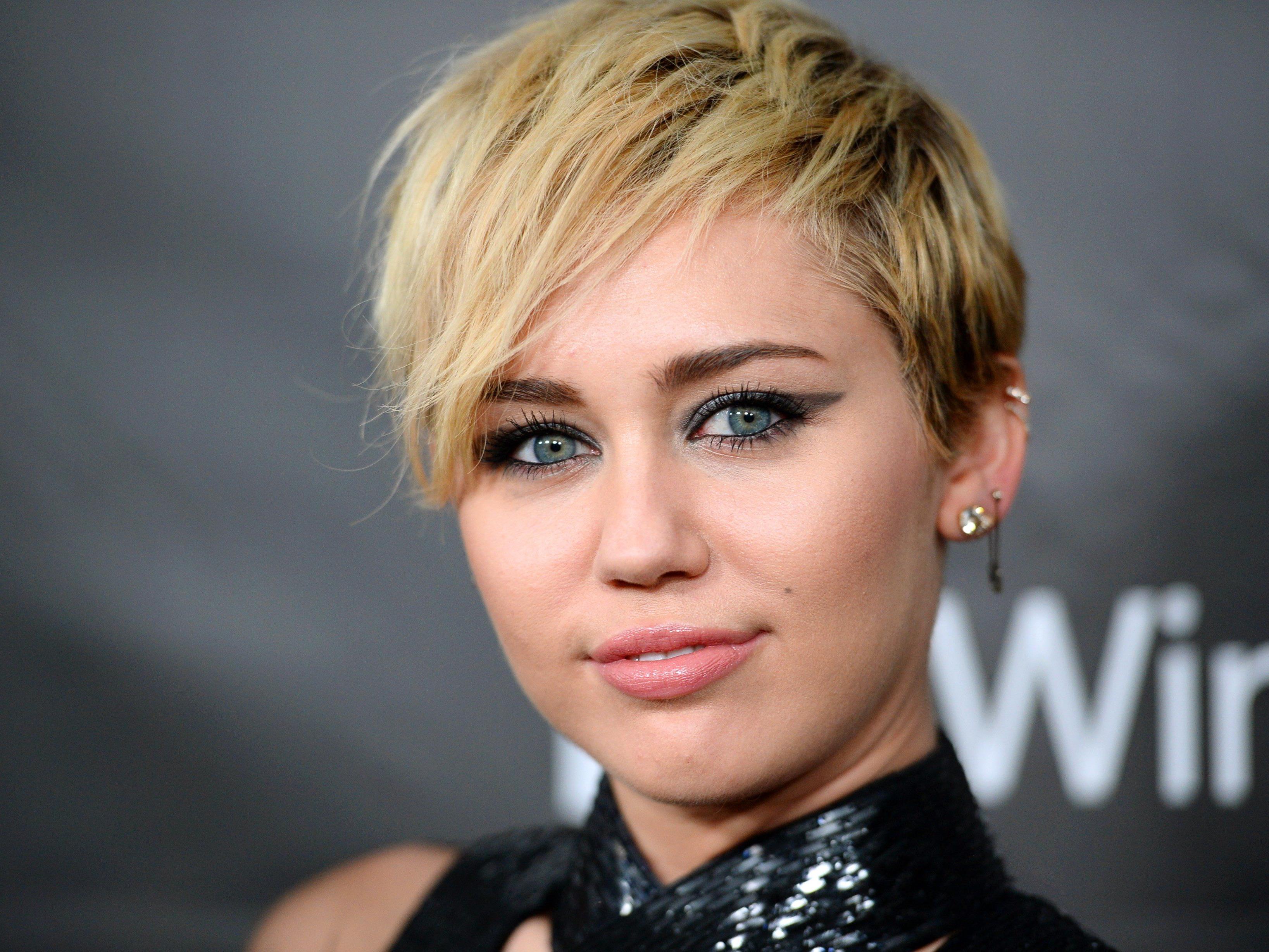 Cyrus will MTV VMA moderieren