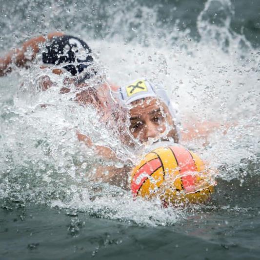 Beim Bodensee-Cup der Wasserballer in der Badeanstalt Mili in Bregenz gab es zahlreich packende Szenen zu sehen.